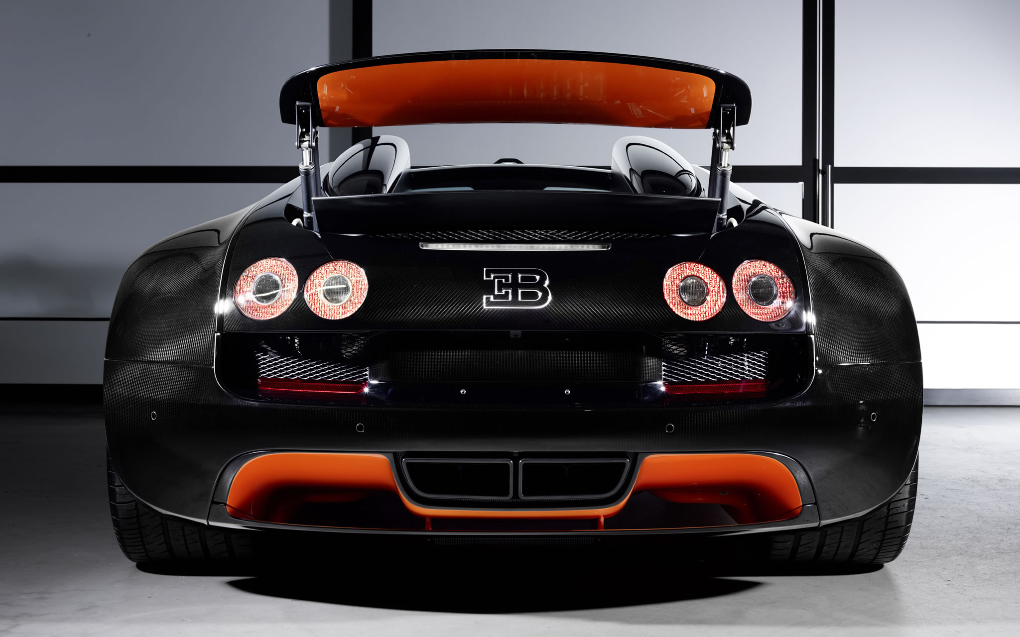 2013 bugatti veyron 16 4 grand sport vitesse wrc rear photo black and orange color rear wing. Black Bedroom Furniture Sets. Home Design Ideas