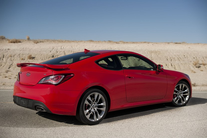 2013 hyundai genesis coupe 3 8 grand touring rear photo size 2048 x 1363 nr 18 34. Black Bedroom Furniture Sets. Home Design Ideas
