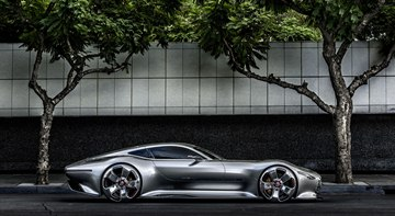 Side view of the Mercedes-Benz AMG Gran Turismo Concept.
