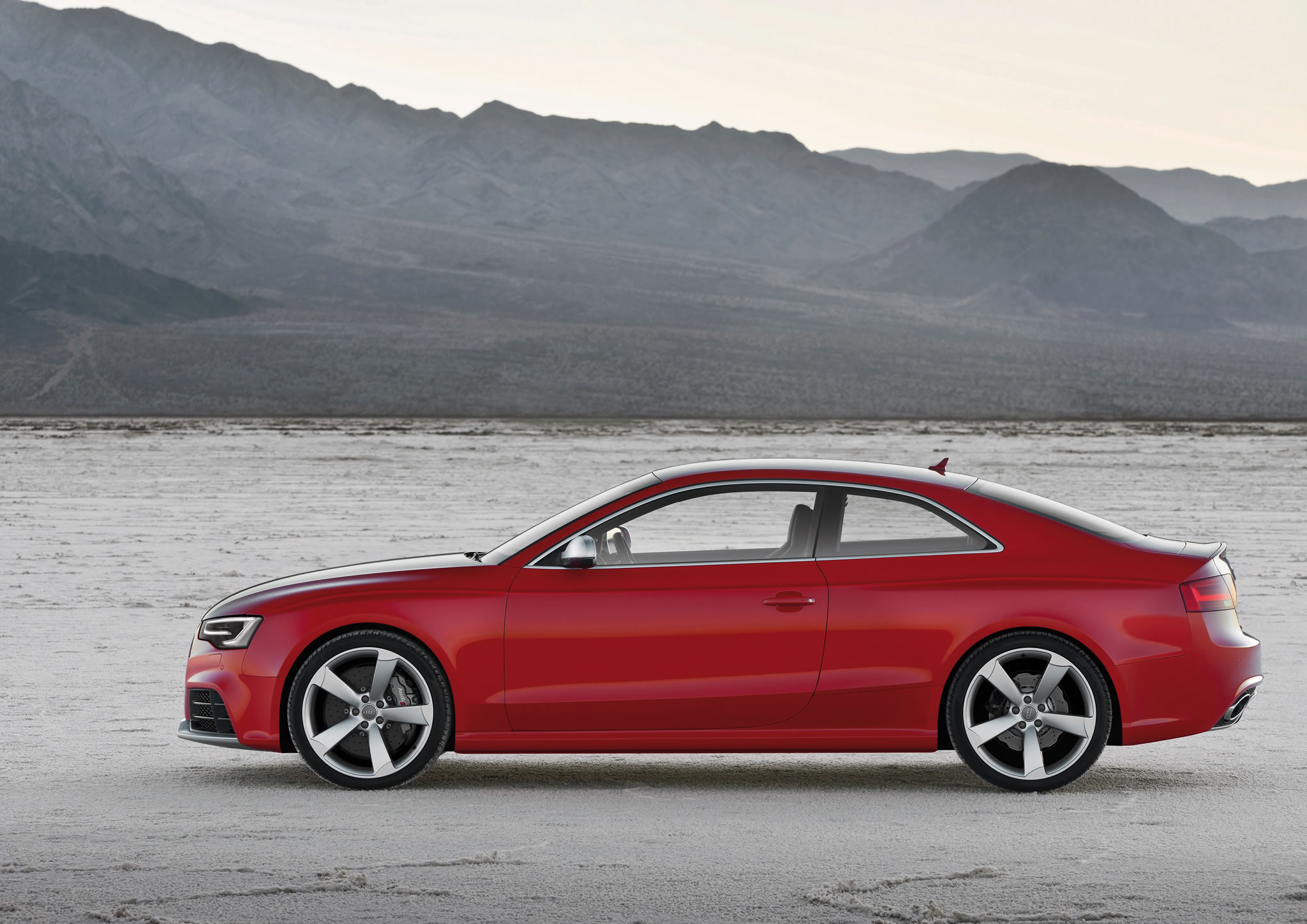 2014 audi rs 5 coupe side photo misano red color lowered body size 2048 x 1448 nr 22 49. Black Bedroom Furniture Sets. Home Design Ideas