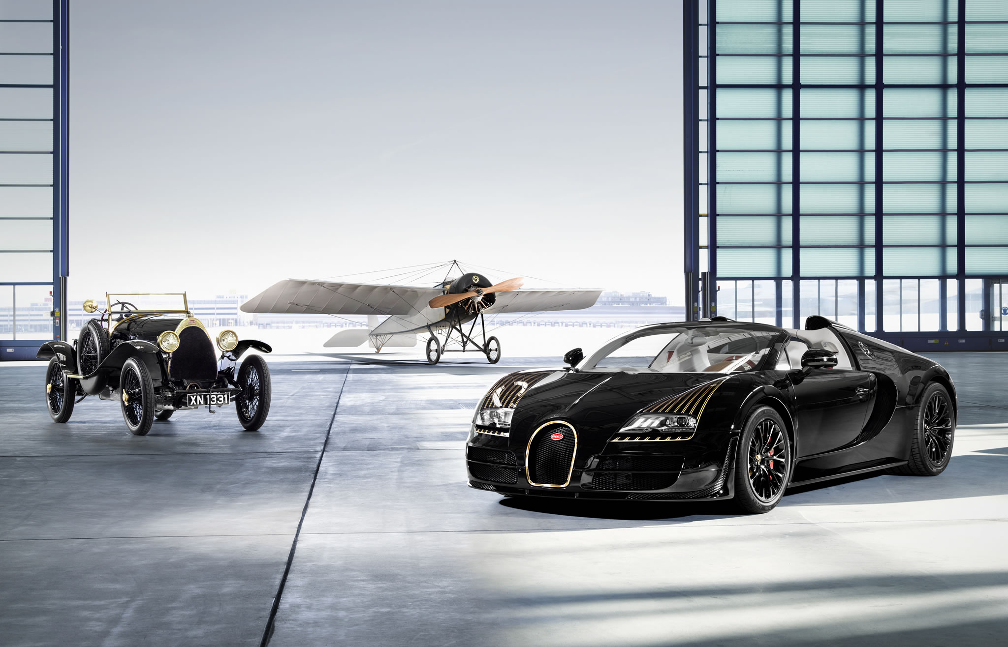2014 bugatti veyron 16 4 grand sport vitesse black bess front photo size 2048 x 1316 nr 3. Black Bedroom Furniture Sets. Home Design Ideas
