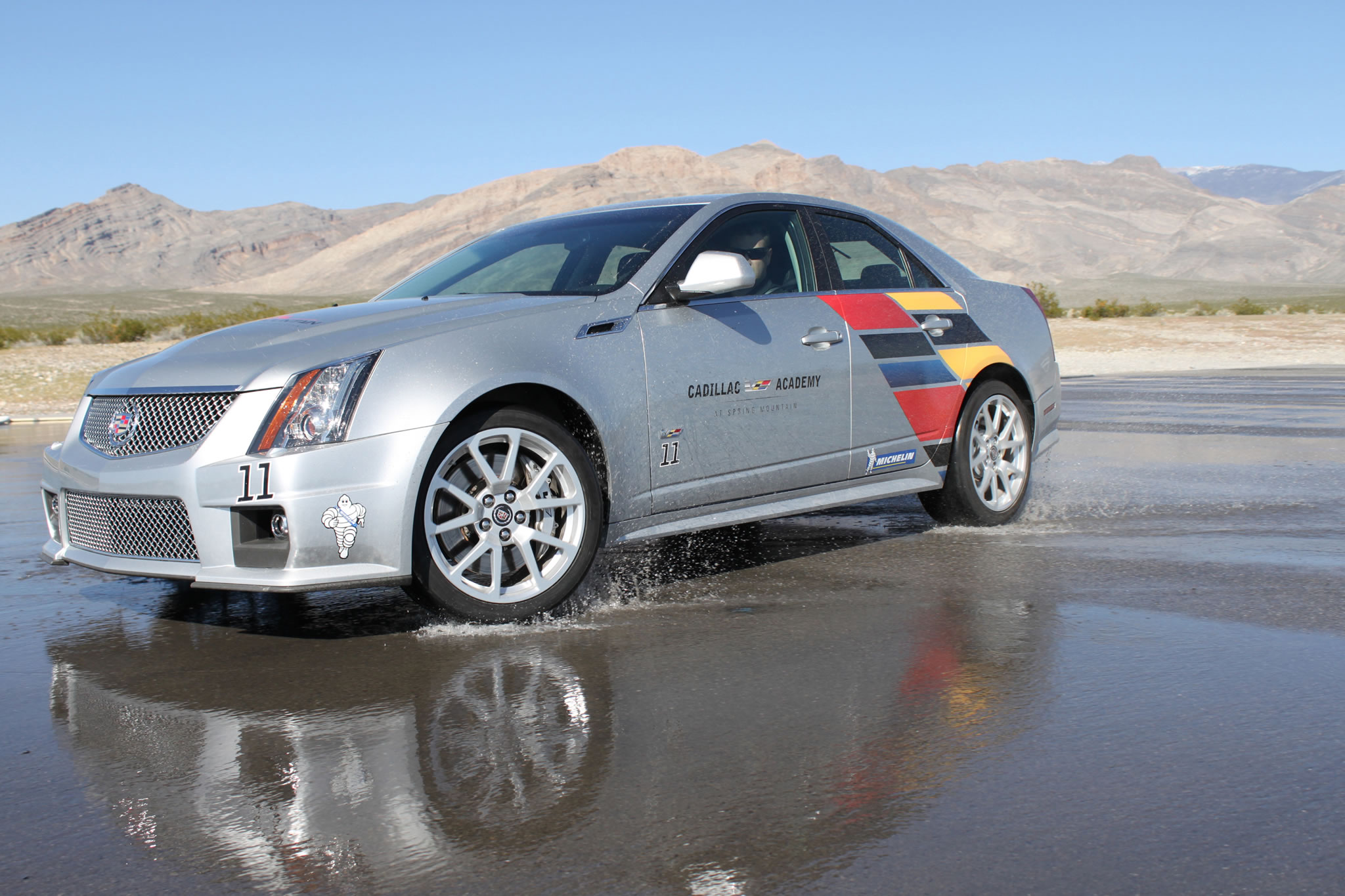 2014 cadillac cts v sedan front photo radiant silver. Black Bedroom Furniture Sets. Home Design Ideas