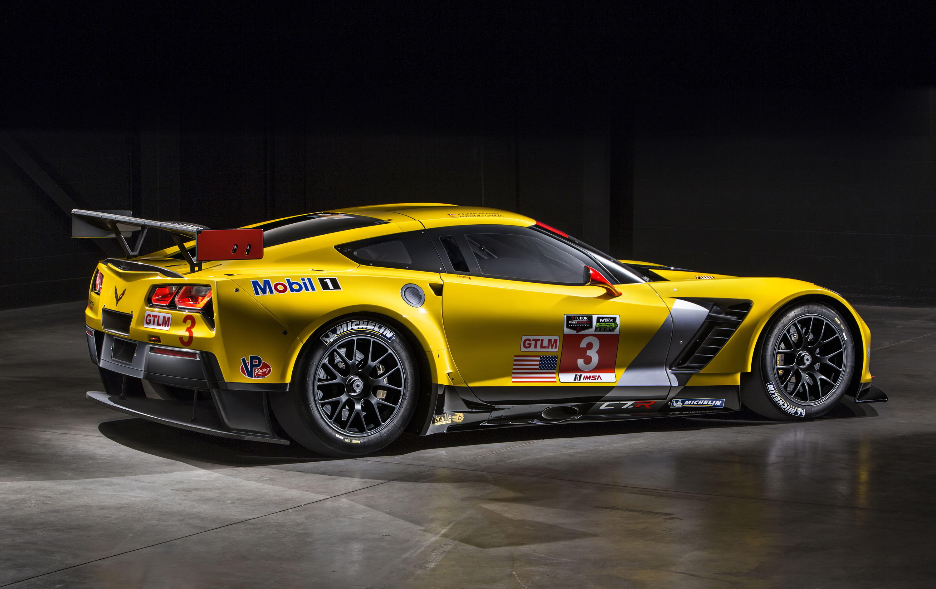 The new Corvette Z06 and C7.R represent the closest link in modern