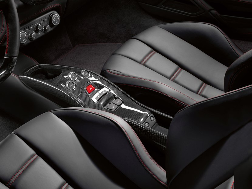 2014 Ferrari 458 Spider - interior - 78.6KB