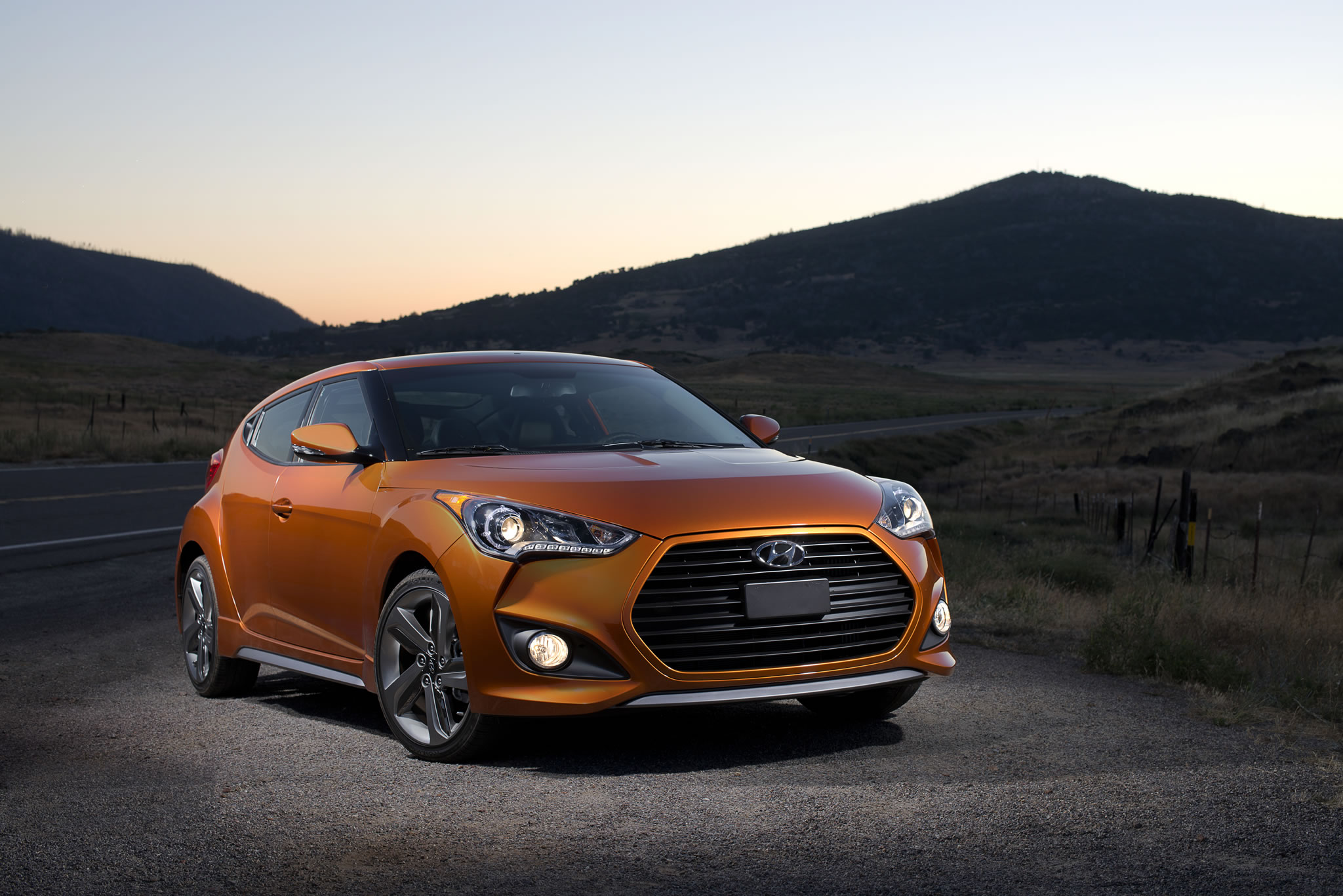 2014 hyundai veloster turbo front photo vitamin c color. Black Bedroom Furniture Sets. Home Design Ideas