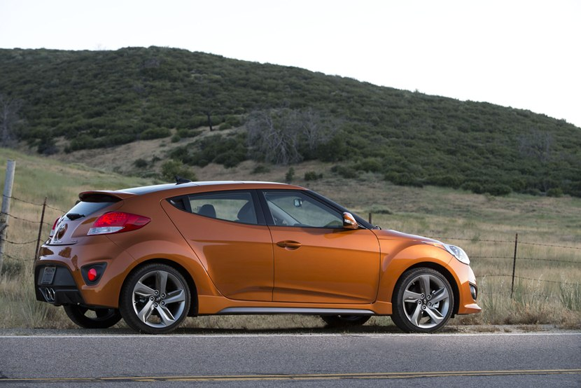 2014 Hyundai Veloster Turbo Rear Photo Vitamin C Color