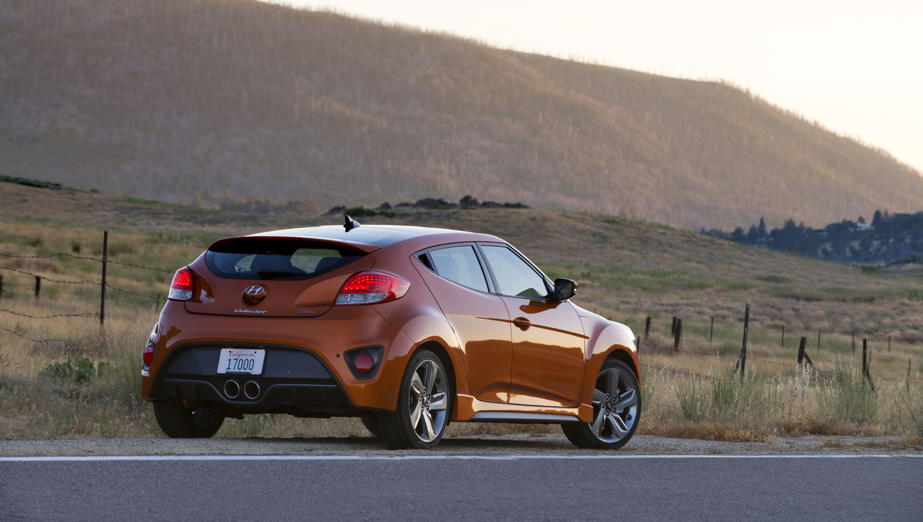 2014 hyundai veloster turbo photos specs and review rs. Black Bedroom Furniture Sets. Home Design Ideas