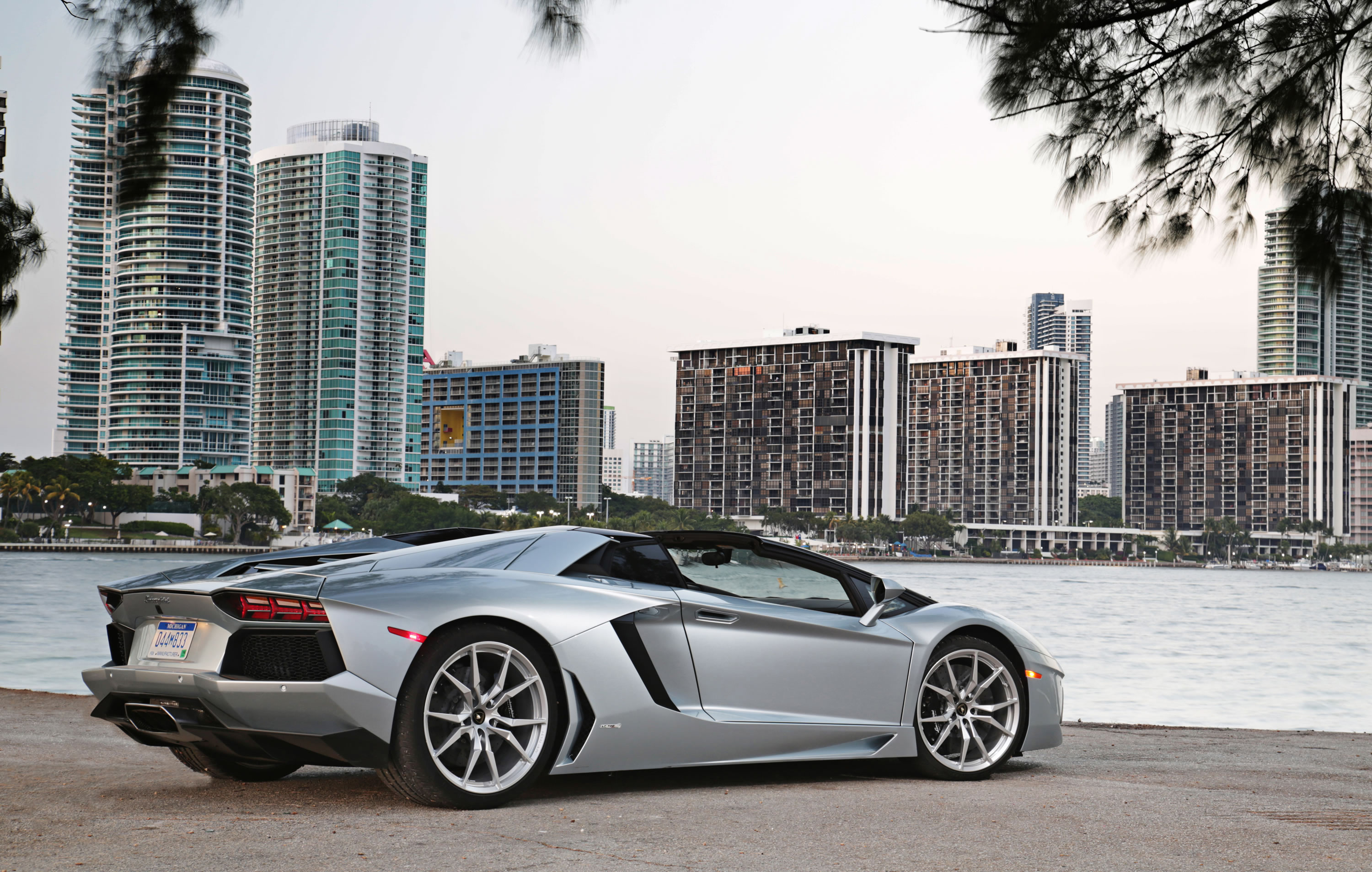 2014 Lamborghini Aventador Lp 700 4 Roadster Photos Specs And