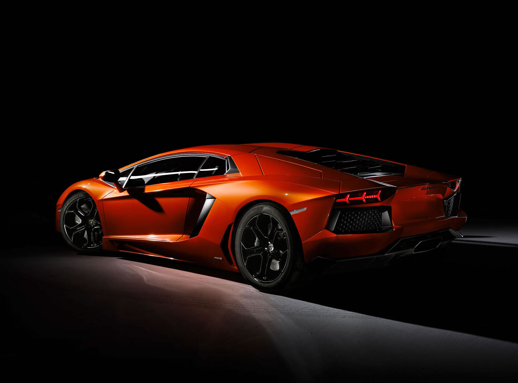 2014 lamborghini aventador lp 700 4 rear photo arancio argos pearl effect size 1758 x 1300. Black Bedroom Furniture Sets. Home Design Ideas