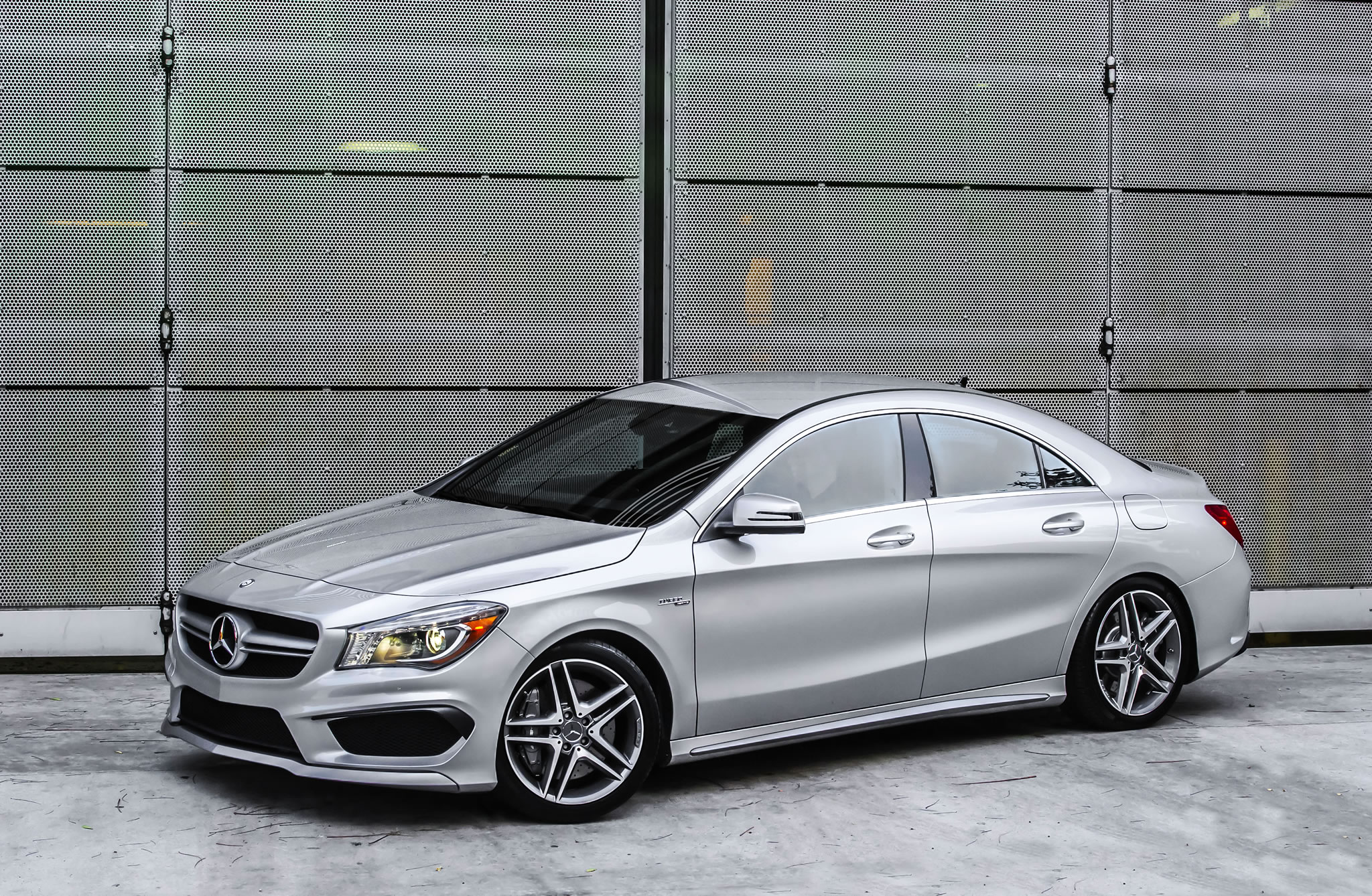 2014 mercedes benz cla45 amg front photo polar silver for Mercedes benz creator
