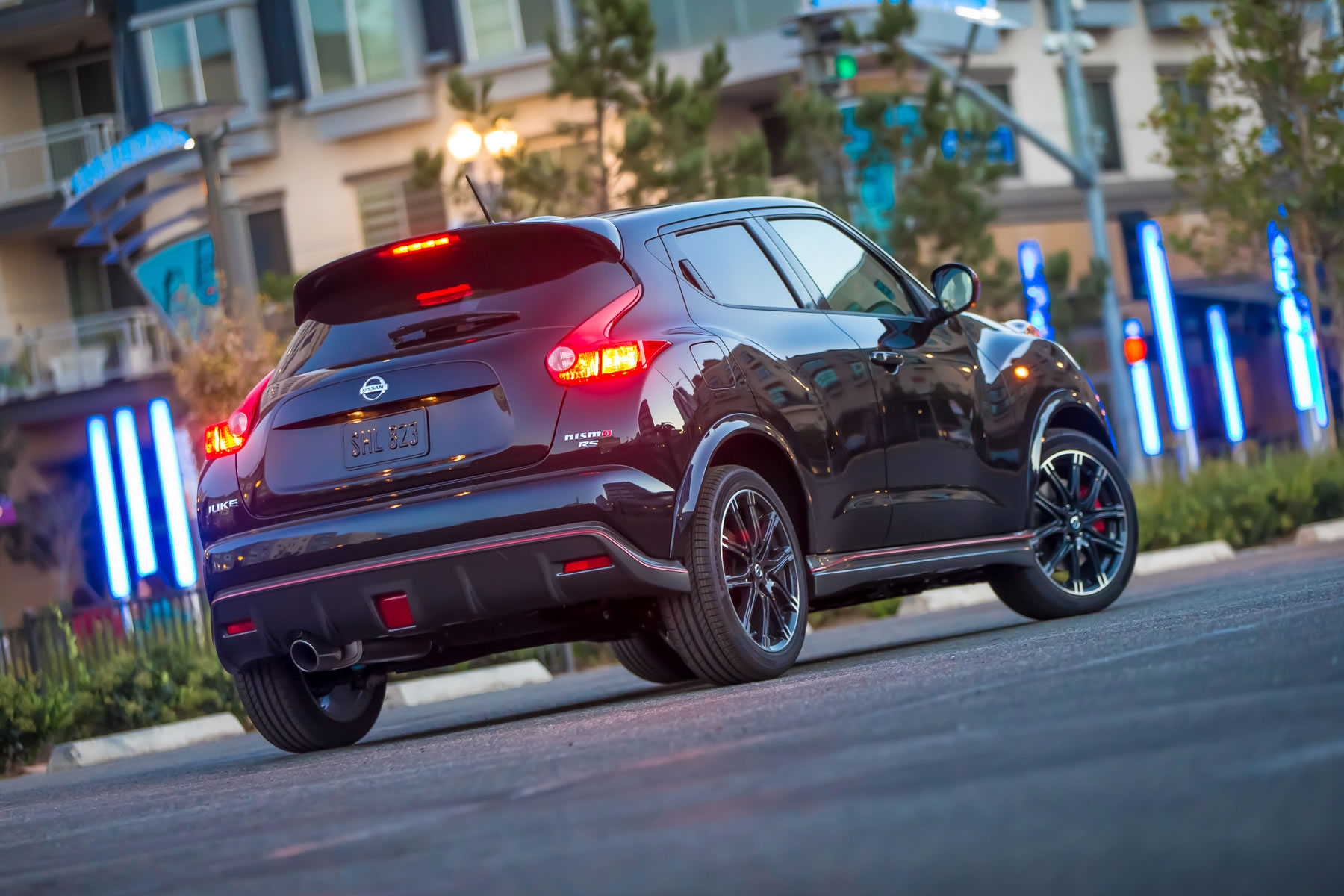 2014 Nissan Juke NISMO RS rear photo taillights size 1800 x 1200