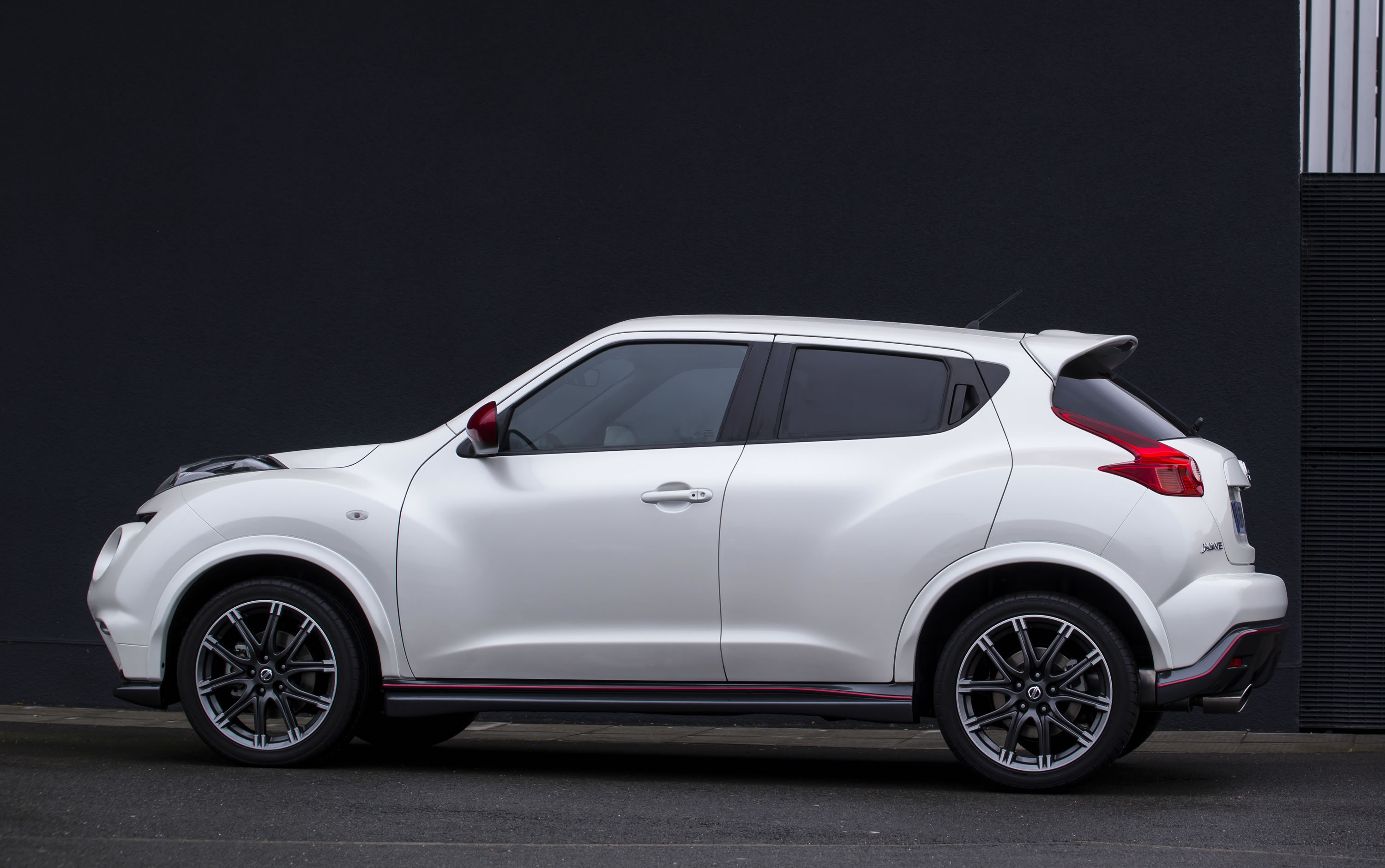 2014 nissan juke nismo price specs nissan usa auto design tech. Black Bedroom Furniture Sets. Home Design Ideas