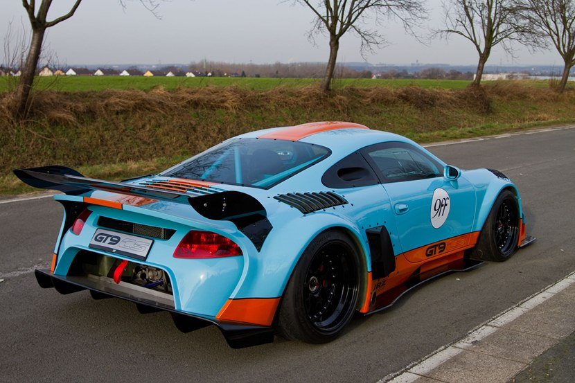 2014 porsche 911 gt9 cs by 9ff rear photo gulf oil livery size 2048 x 1365 nr 14 29. Black Bedroom Furniture Sets. Home Design Ideas