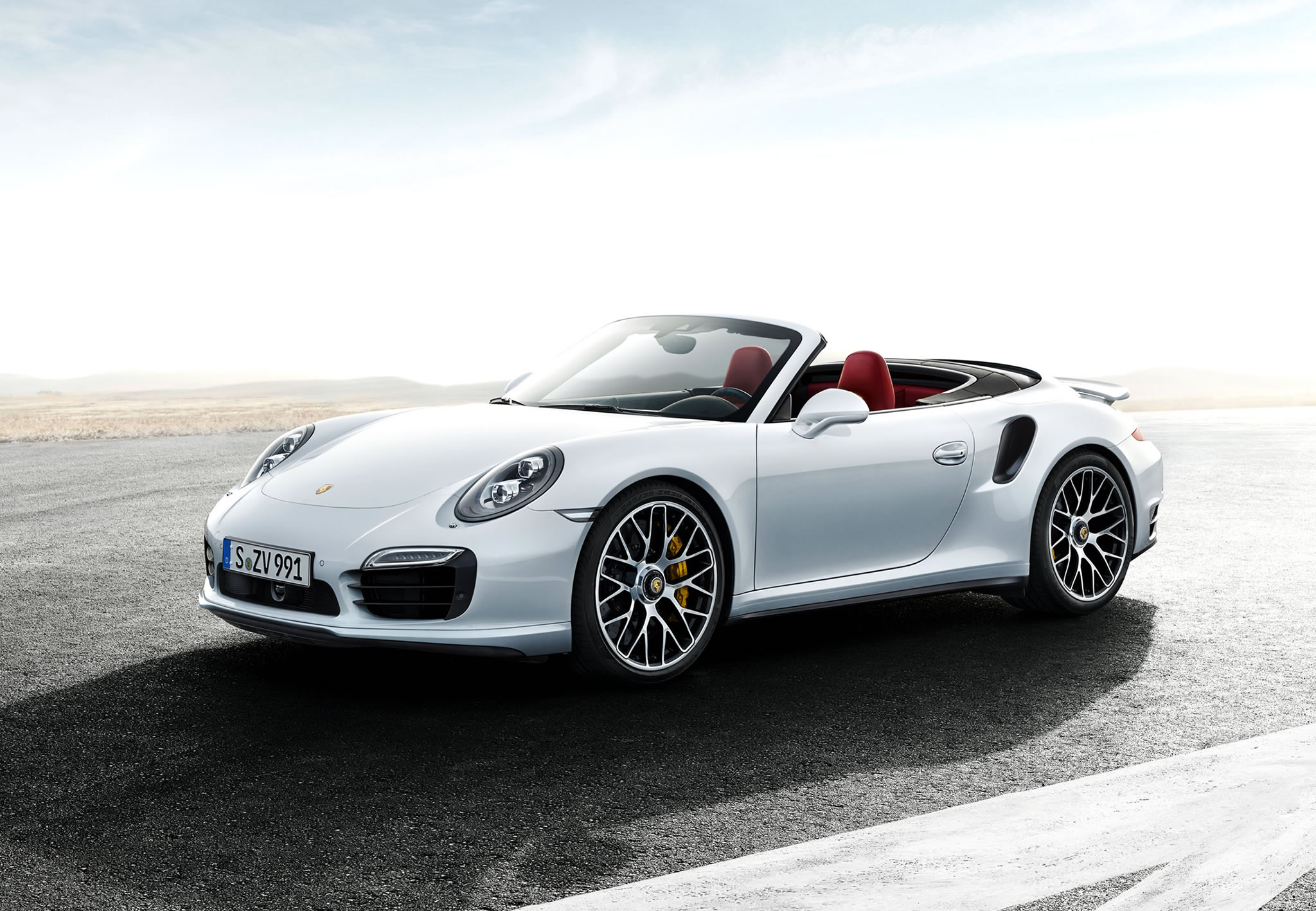 2014 Porsche 911 Turbo S Cabriolet Front Photo Three