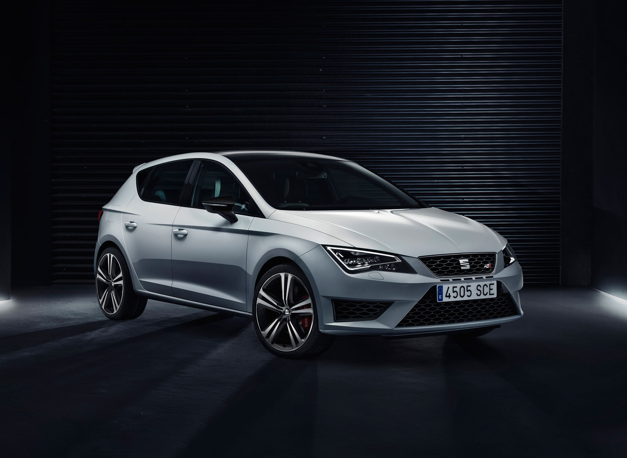 2014 seat leon cupra 280 front photo 5 door size 2048 x 1497 nr 3 11. Black Bedroom Furniture Sets. Home Design Ideas