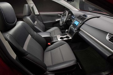 The SE's sporty front seats provide thicker, more supportive side bolsters.