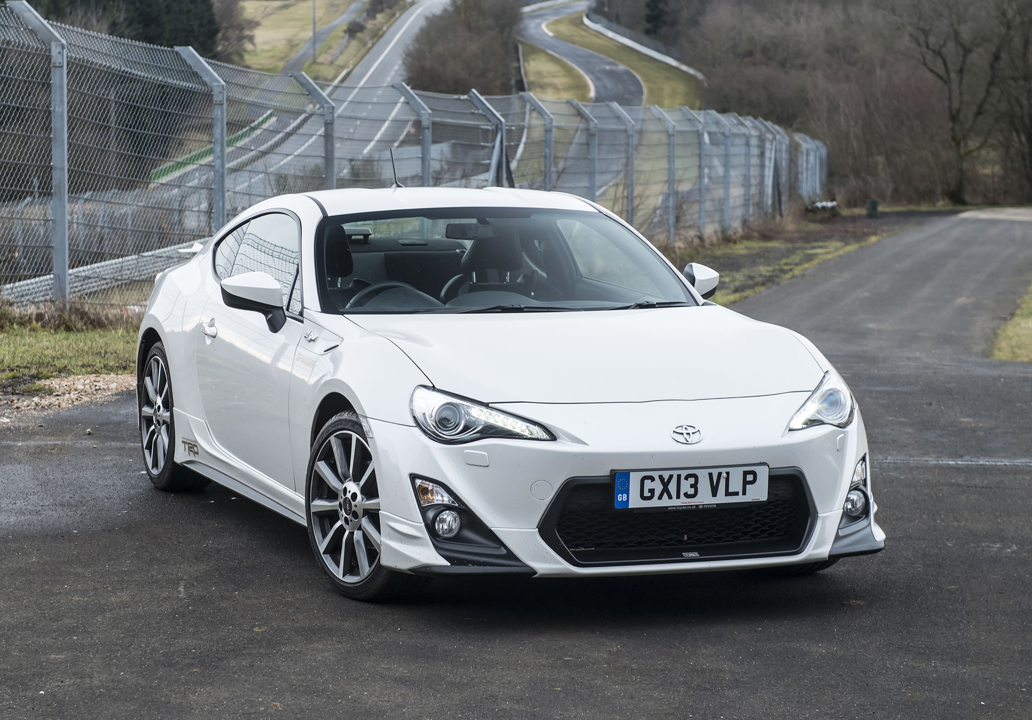 2014 Toyota Gt 86 Trd Front Photo Pearl White Color