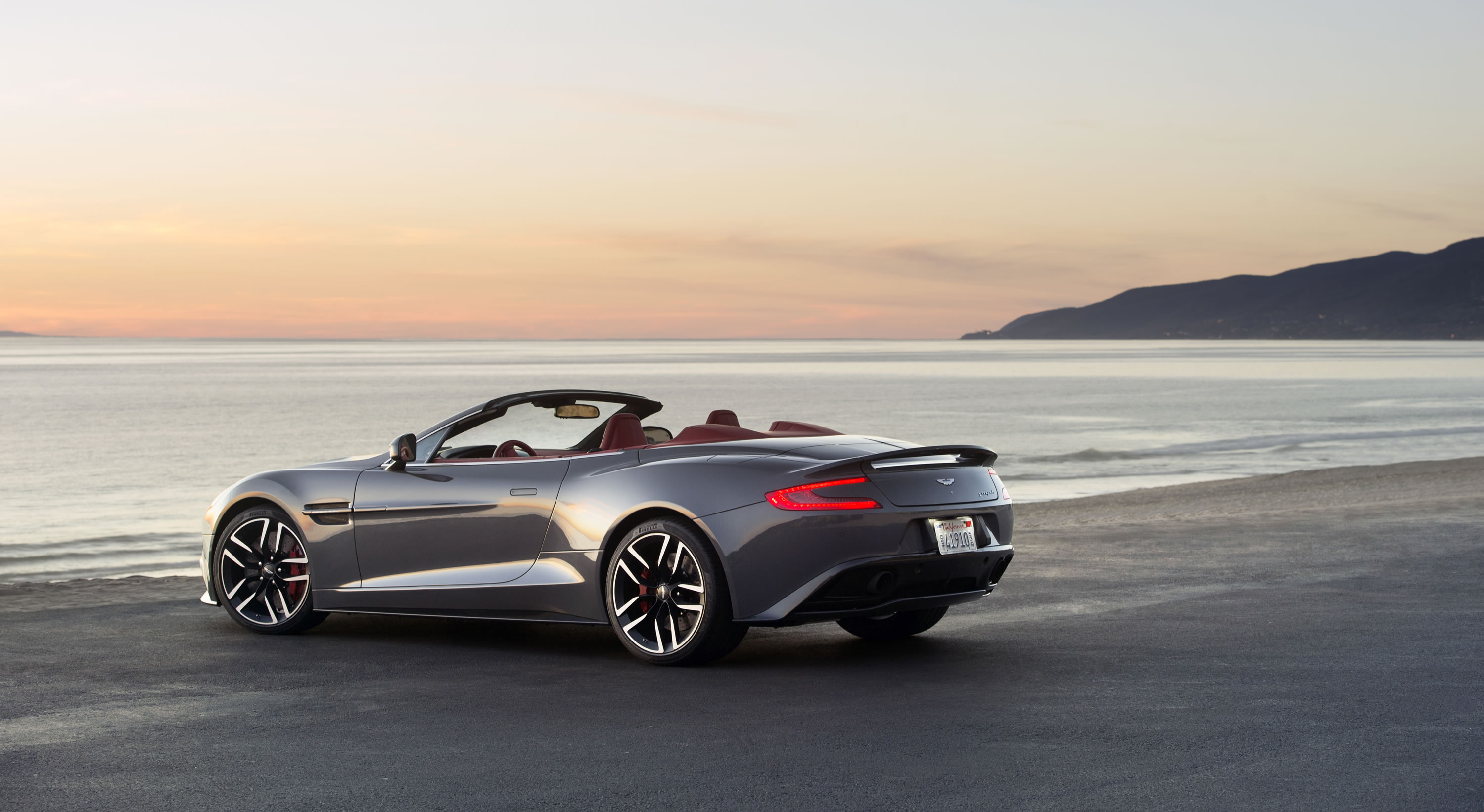 aston martin db9 convertible 2015. the enhancements to 2015 vanquish volante center around inclusion of new touchtronic iii aston martin db9 convertible