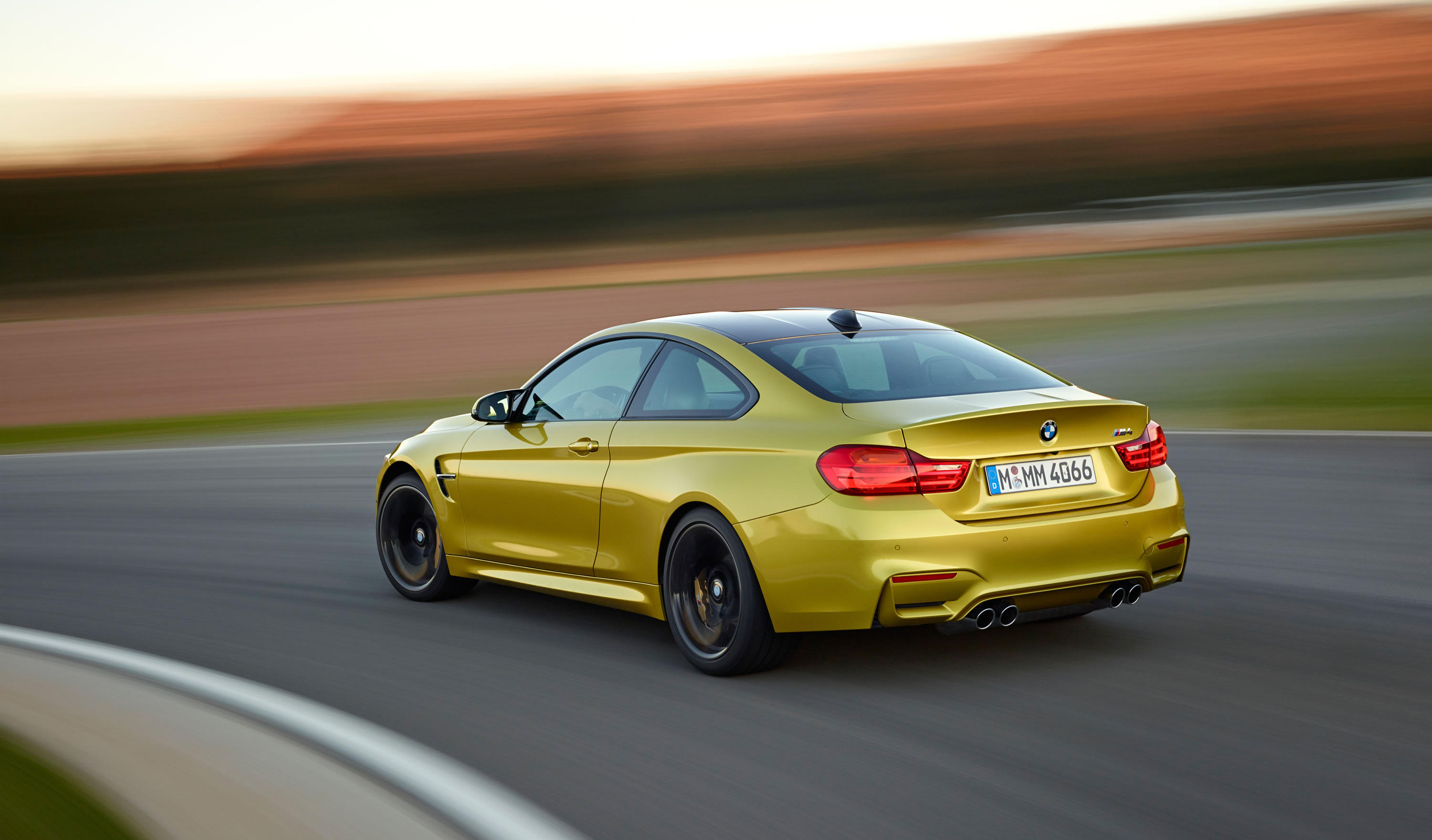 2015 BMW M4 Coupe Photos, Specs and Review - RS