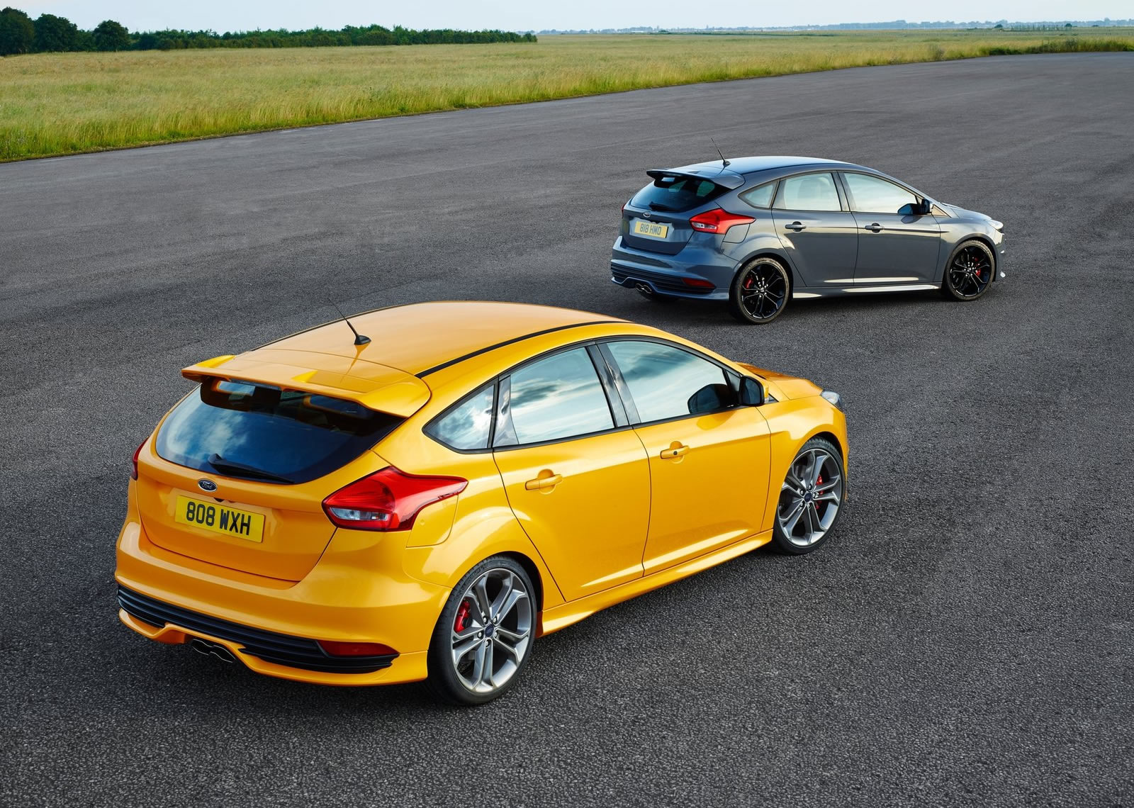 2015 Ford Focus St Rear Photo Tangerine Scream Color