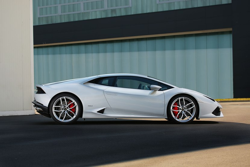white lamborghini huracan lp - photo #28