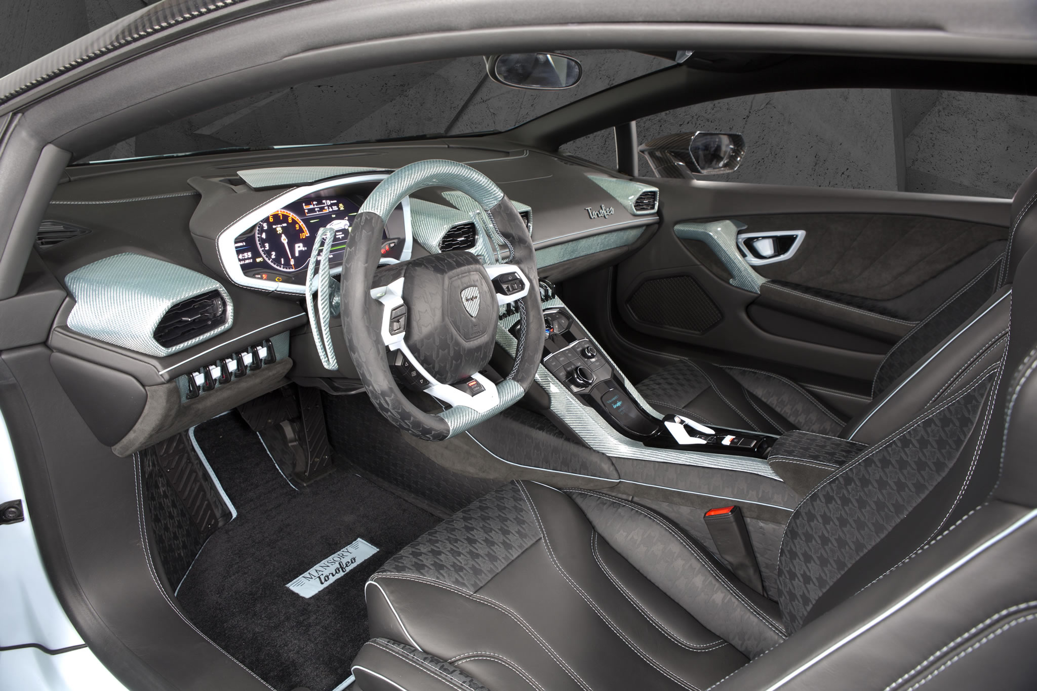 2015 lamborghini huracan torofeo by mansory interior. Black Bedroom Furniture Sets. Home Design Ideas