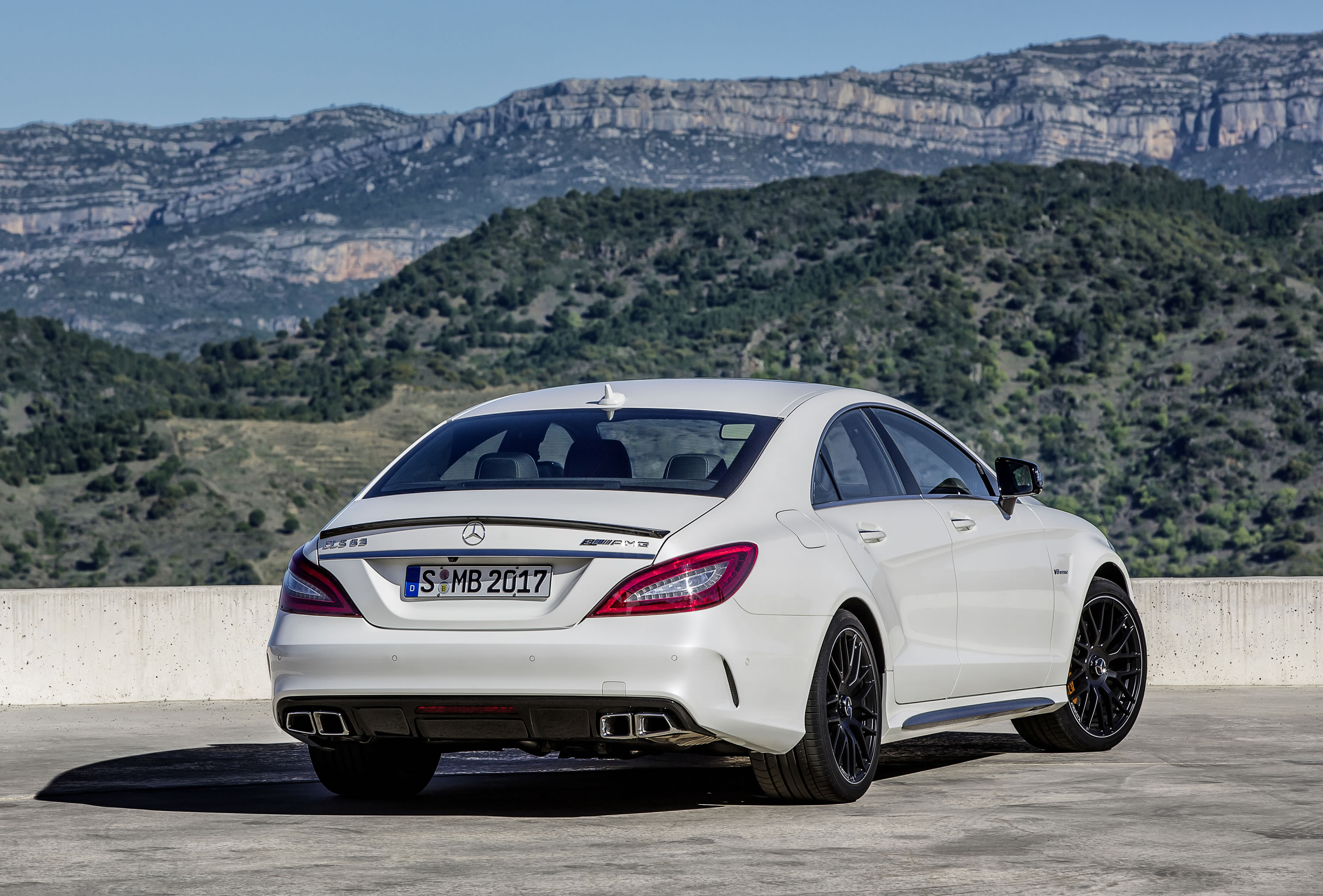 2015 mercedes benz cls63 amg s model photos specs and for Mercedes benz amg cls