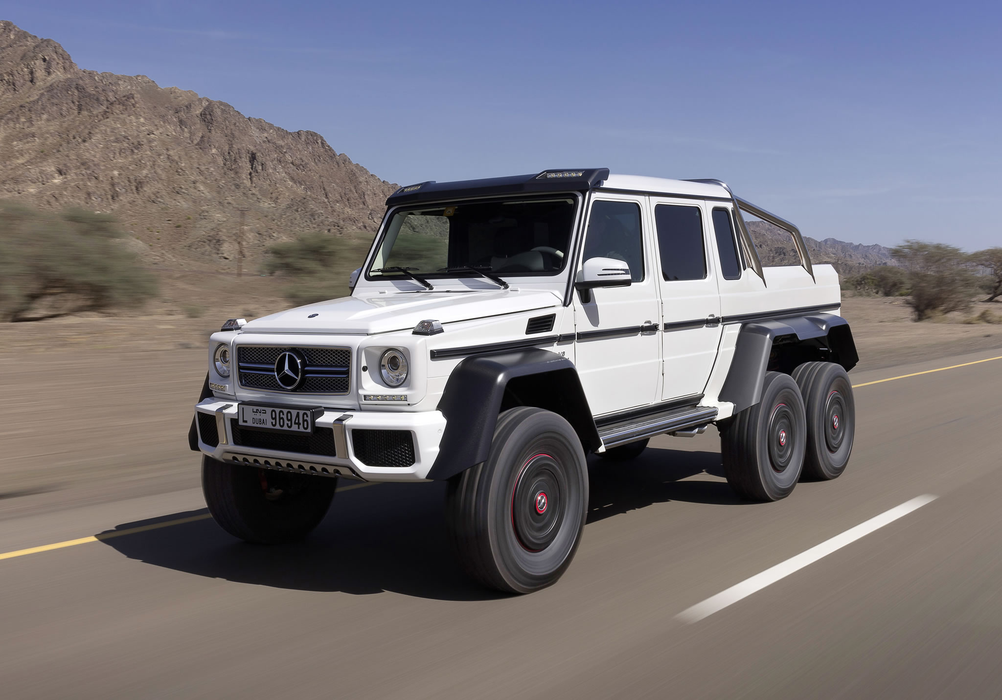 2015 mercedes benz g63 amg 6x6 front photo three axles