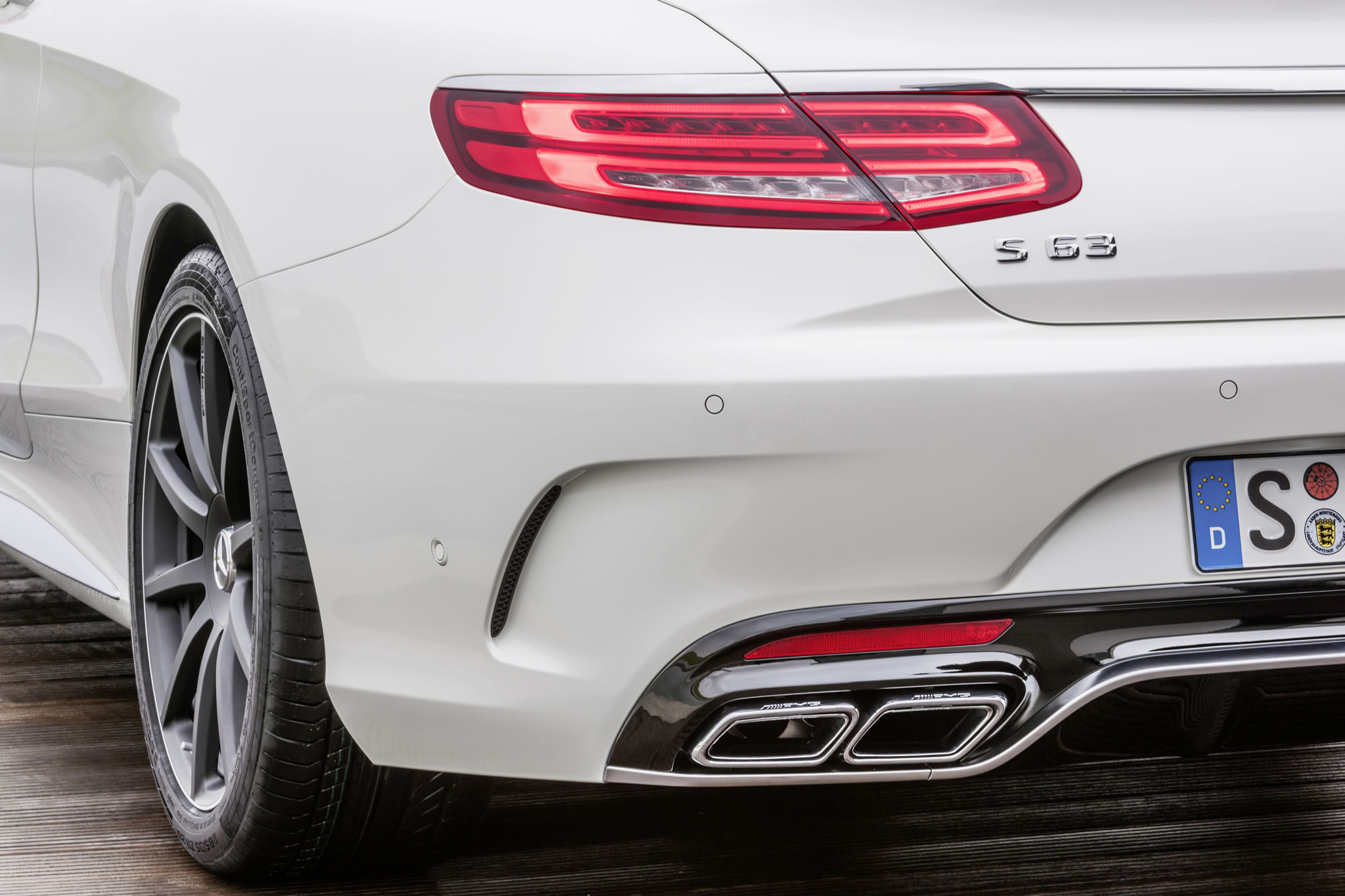 2015 mercedes benz s63 amg coupe detail photo exhaust for 2015 mercedes benz s63