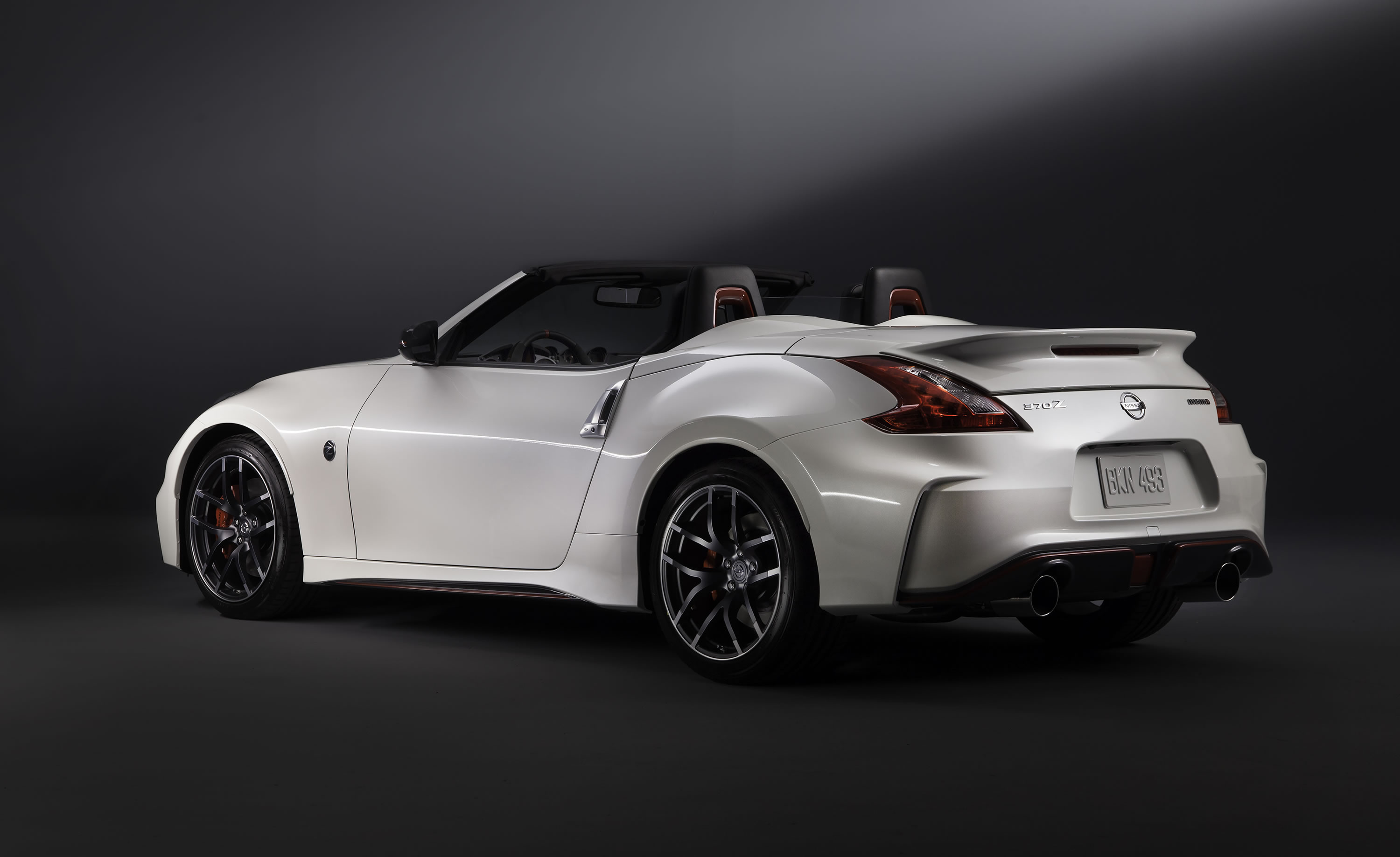 2015 nissan 370z nismo roadster concept photos specs and. Black Bedroom Furniture Sets. Home Design Ideas