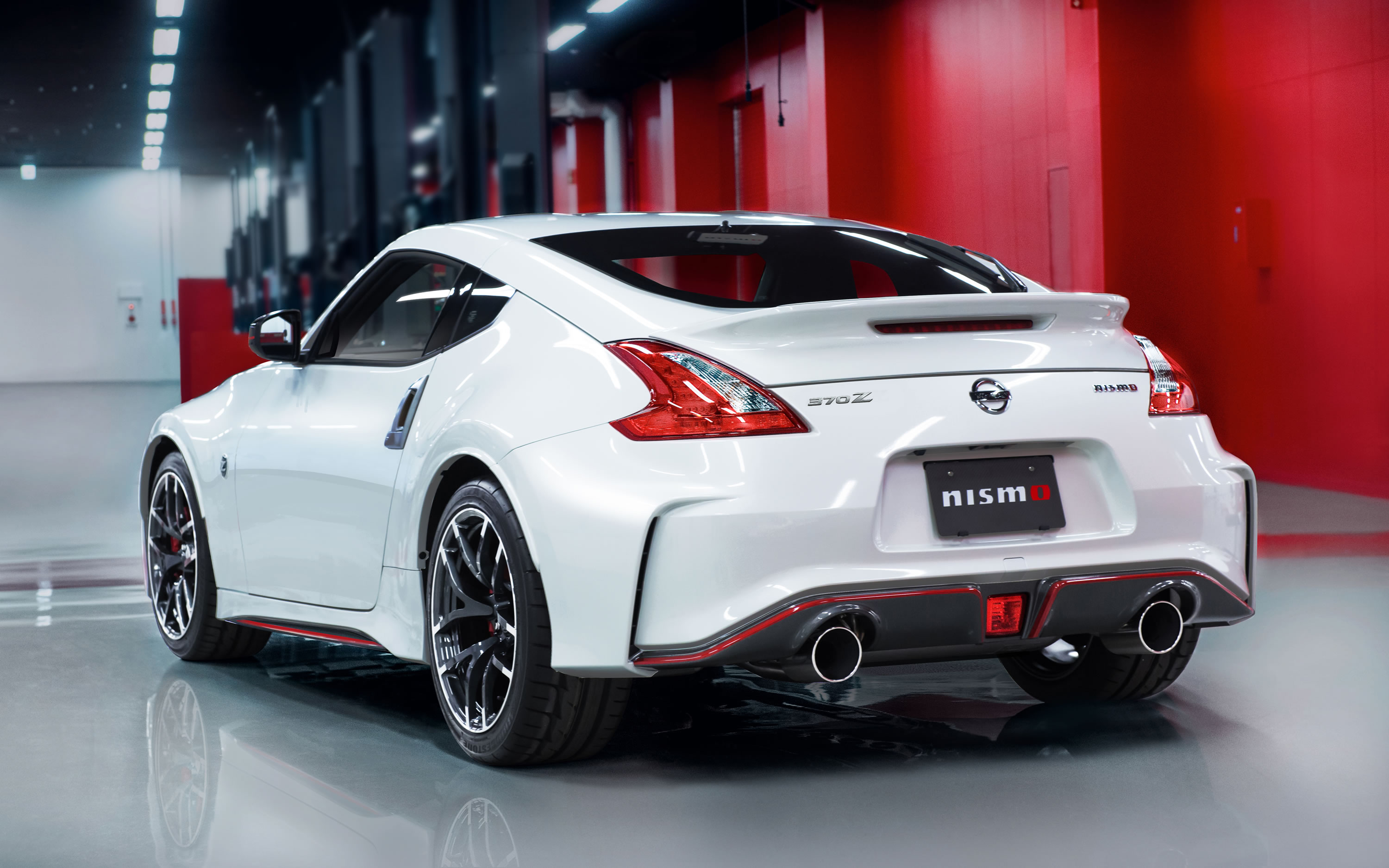 2015 nissan 370z nismo photos specs and review rs. Black Bedroom Furniture Sets. Home Design Ideas
