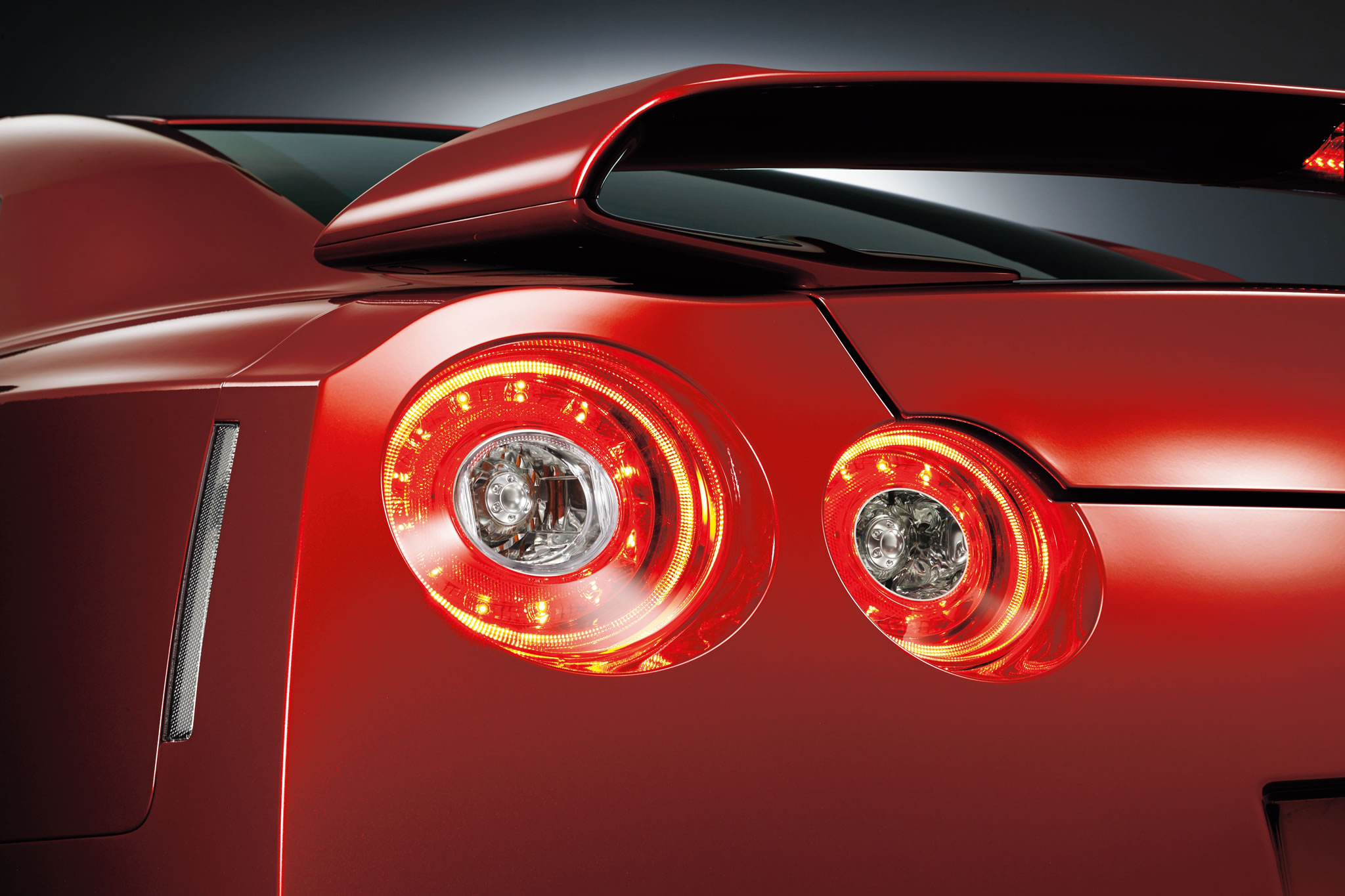 2015 nissan gt r detail photo taillight size 2048 x. Black Bedroom Furniture Sets. Home Design Ideas
