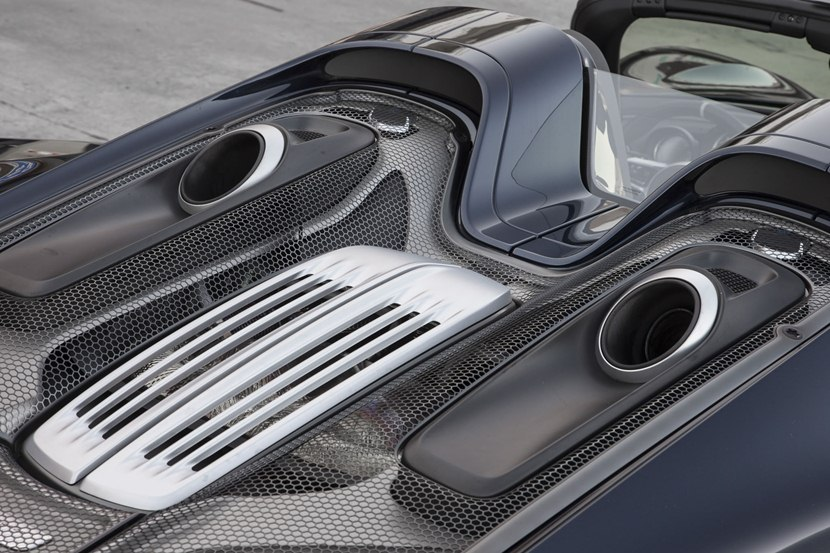 2015 porsche 918 spyder engine photo engine cover size 2048 x 1365 nr 44 73. Black Bedroom Furniture Sets. Home Design Ideas