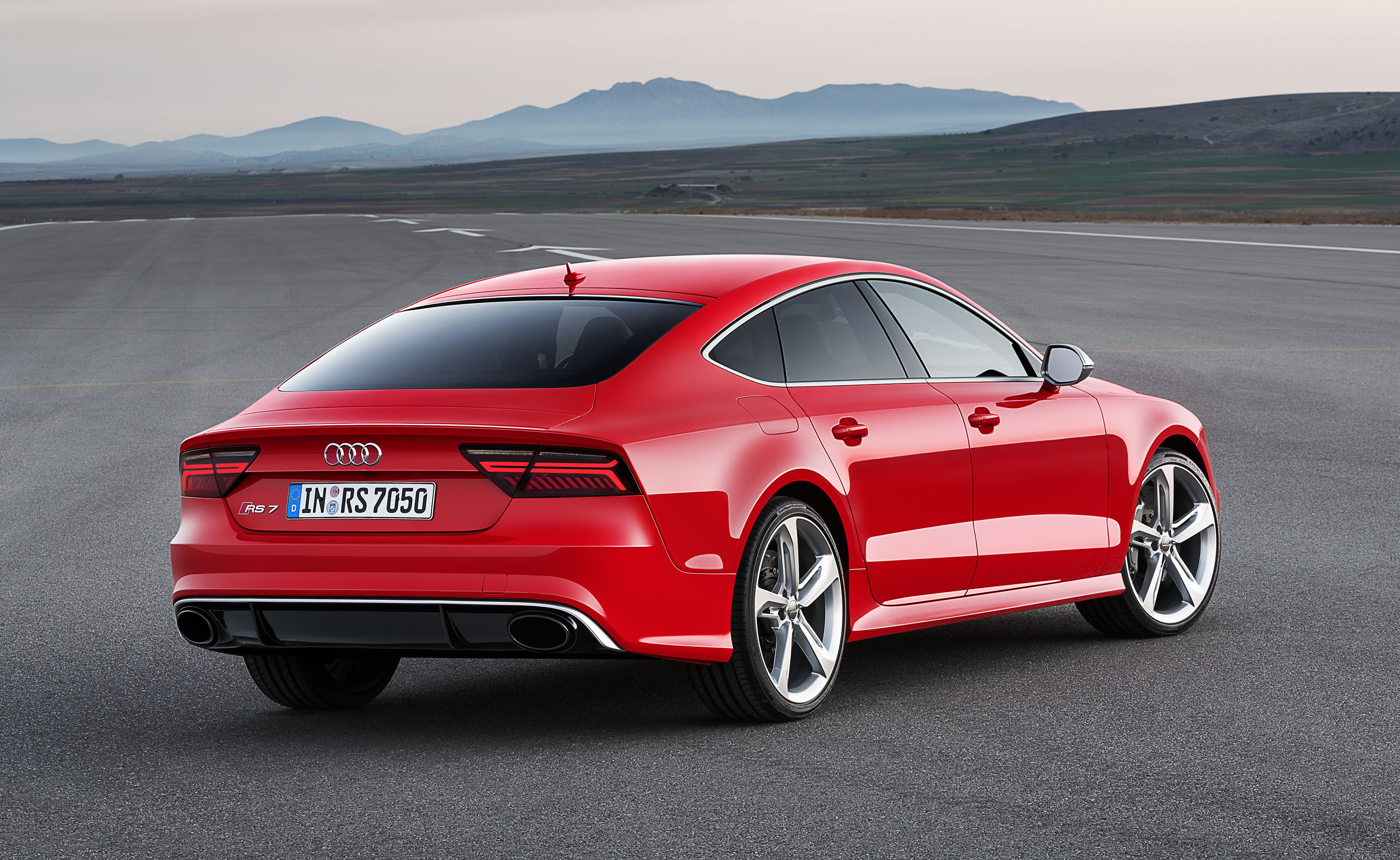2016 Audi RS 7 Sportback Photos, Specs and Review - RS