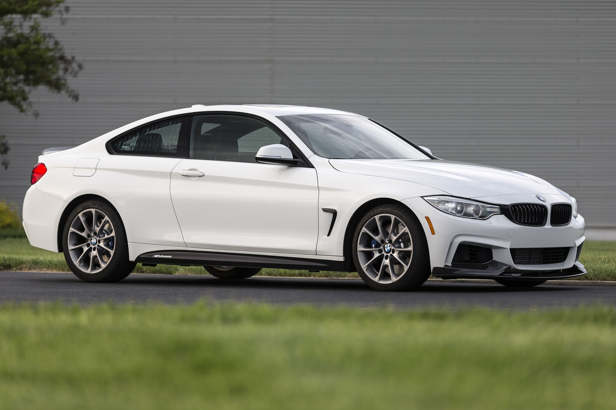 2016 BMW 435i ZHP Coupe - front photo, Alpine White paint ...