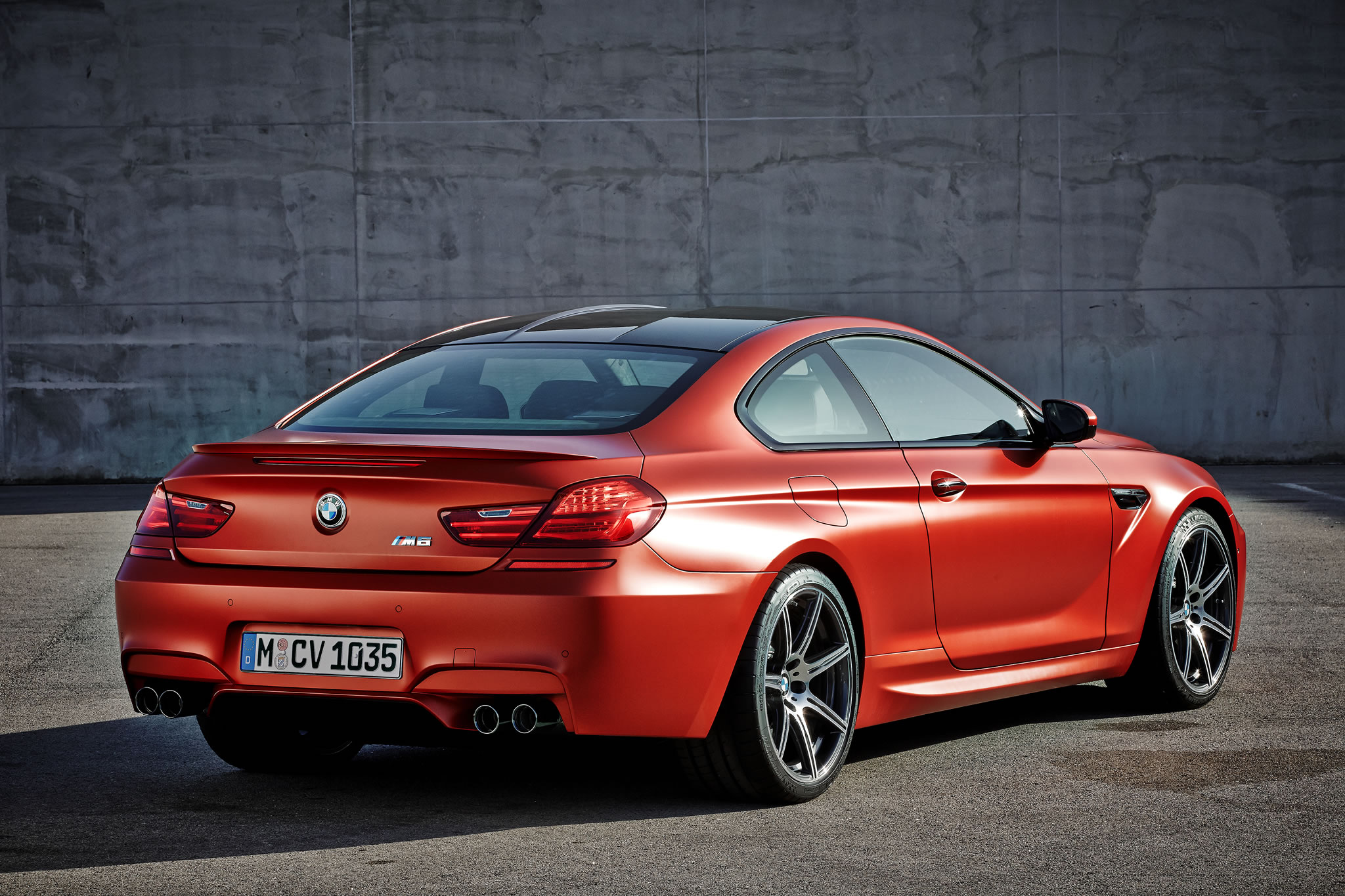 2016 Bmw M6 Coupe Rear Photo Frozen Red Paint Size