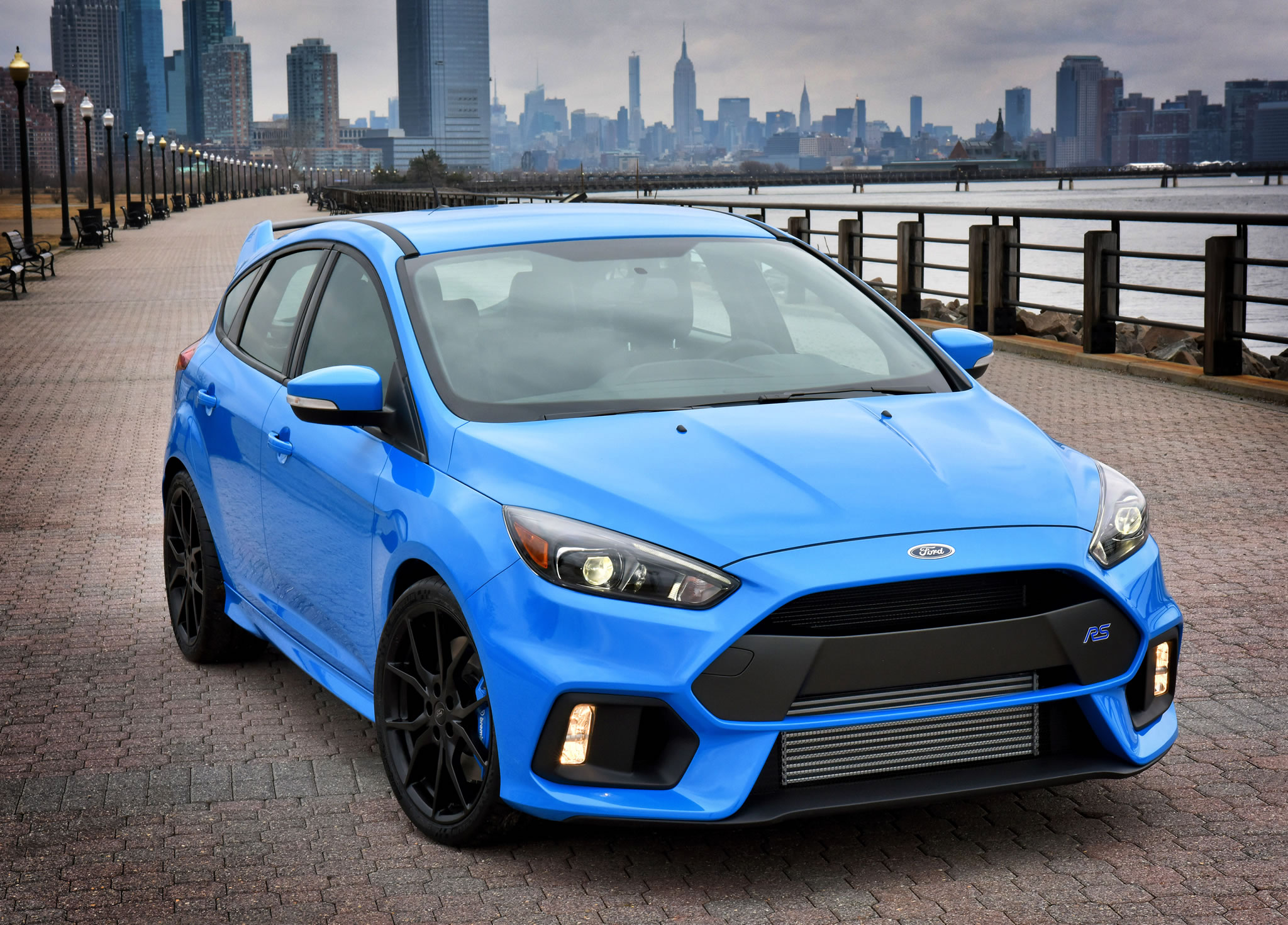 2016 ford focus rs front photo nitrous blue color size 2048 x 1470 nr 2 18. Black Bedroom Furniture Sets. Home Design Ideas