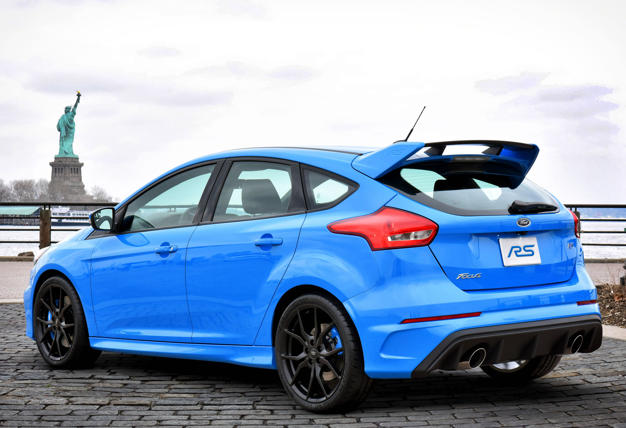 2016 Ford Focus Rs Rear Photo Statue Of Liberty