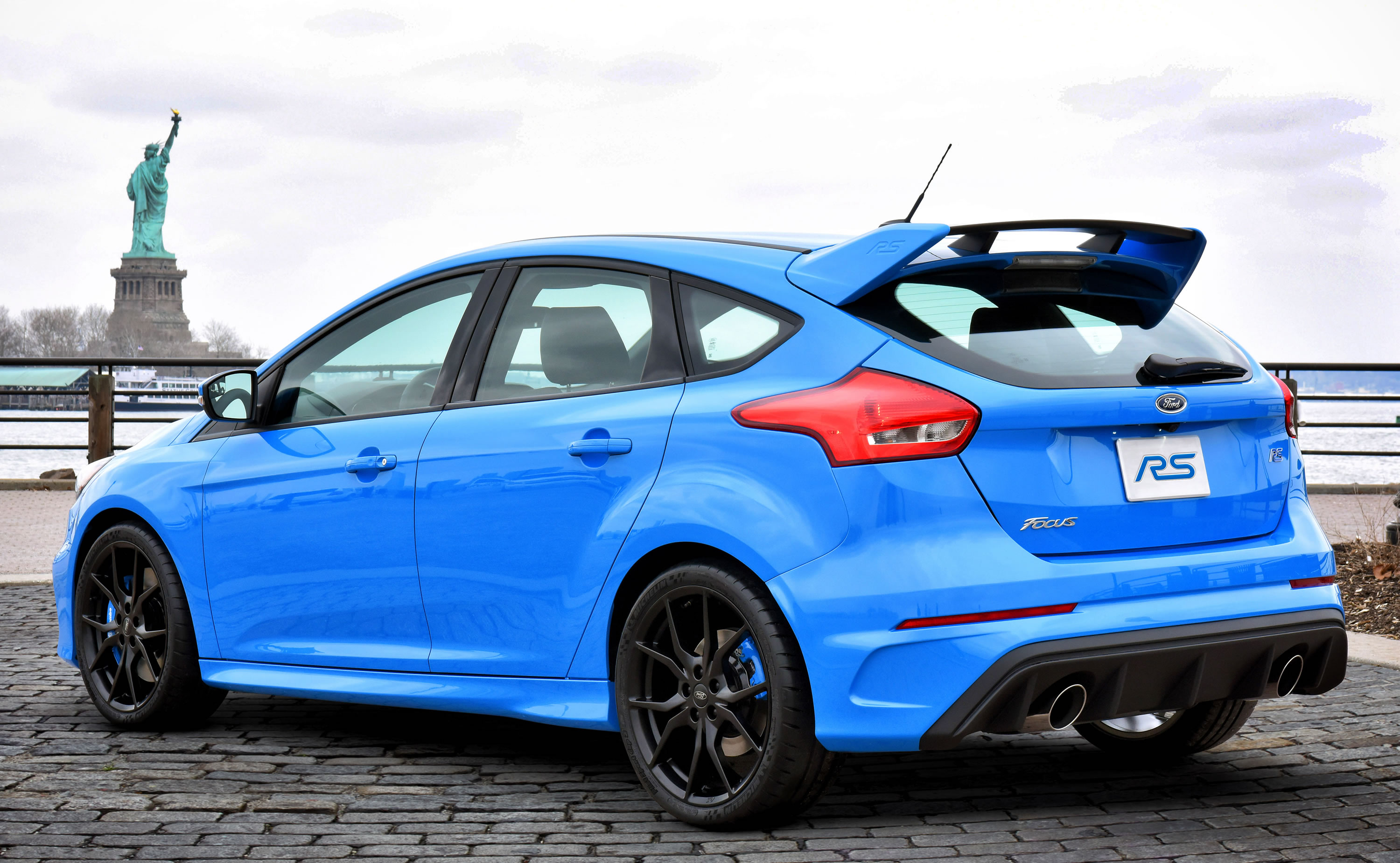2016 ford focus rs photos specs and review rs. Black Bedroom Furniture Sets. Home Design Ideas