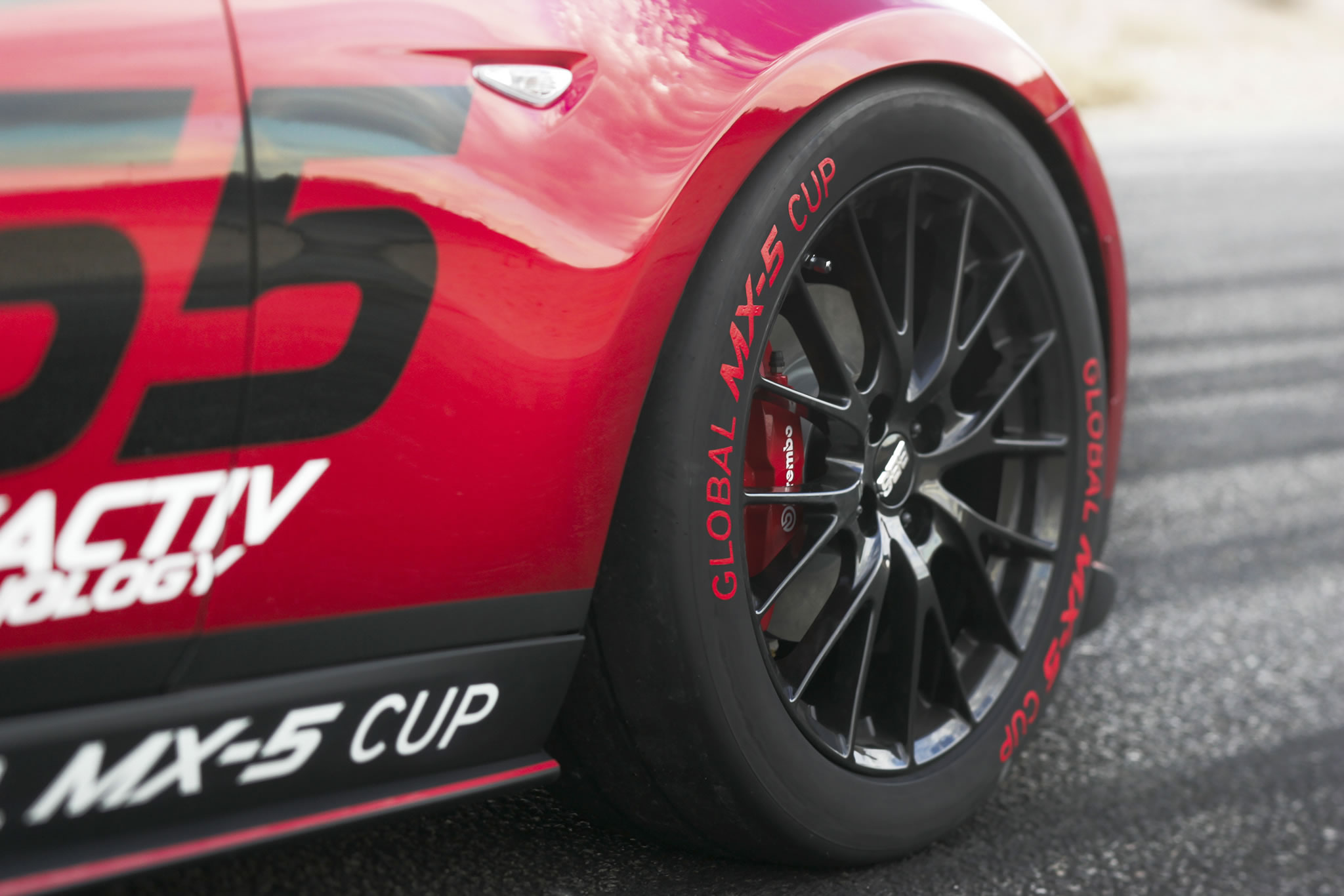 2016 mazda mx 5 miata cup race car detail photo wheel size 2048 x 1366 nr 22 28. Black Bedroom Furniture Sets. Home Design Ideas
