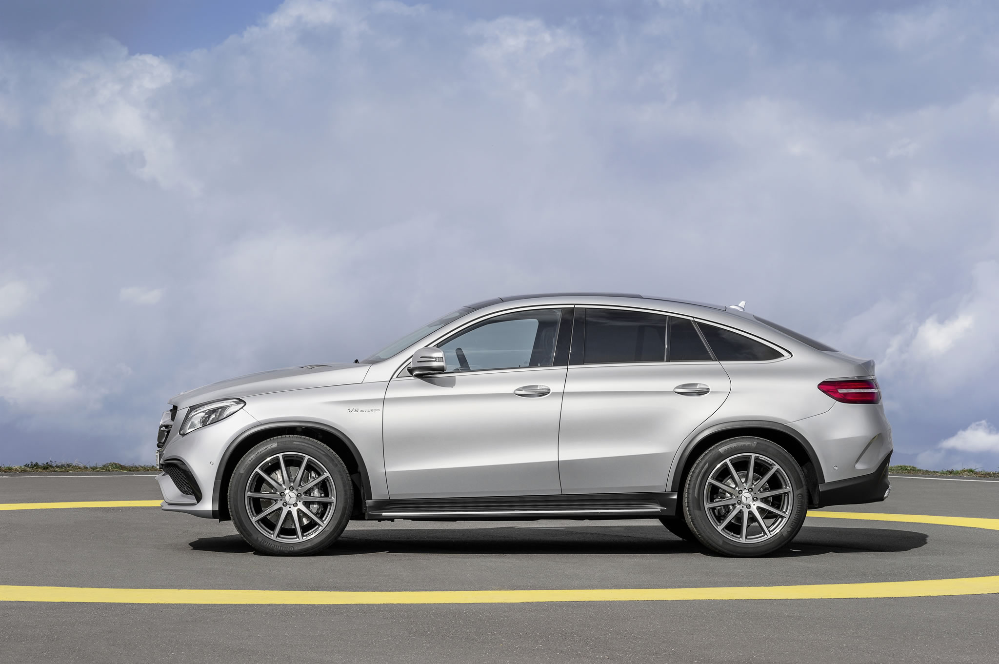 2016 mercedes benz amg gle63 s coupe side photo biturbo. Black Bedroom Furniture Sets. Home Design Ideas