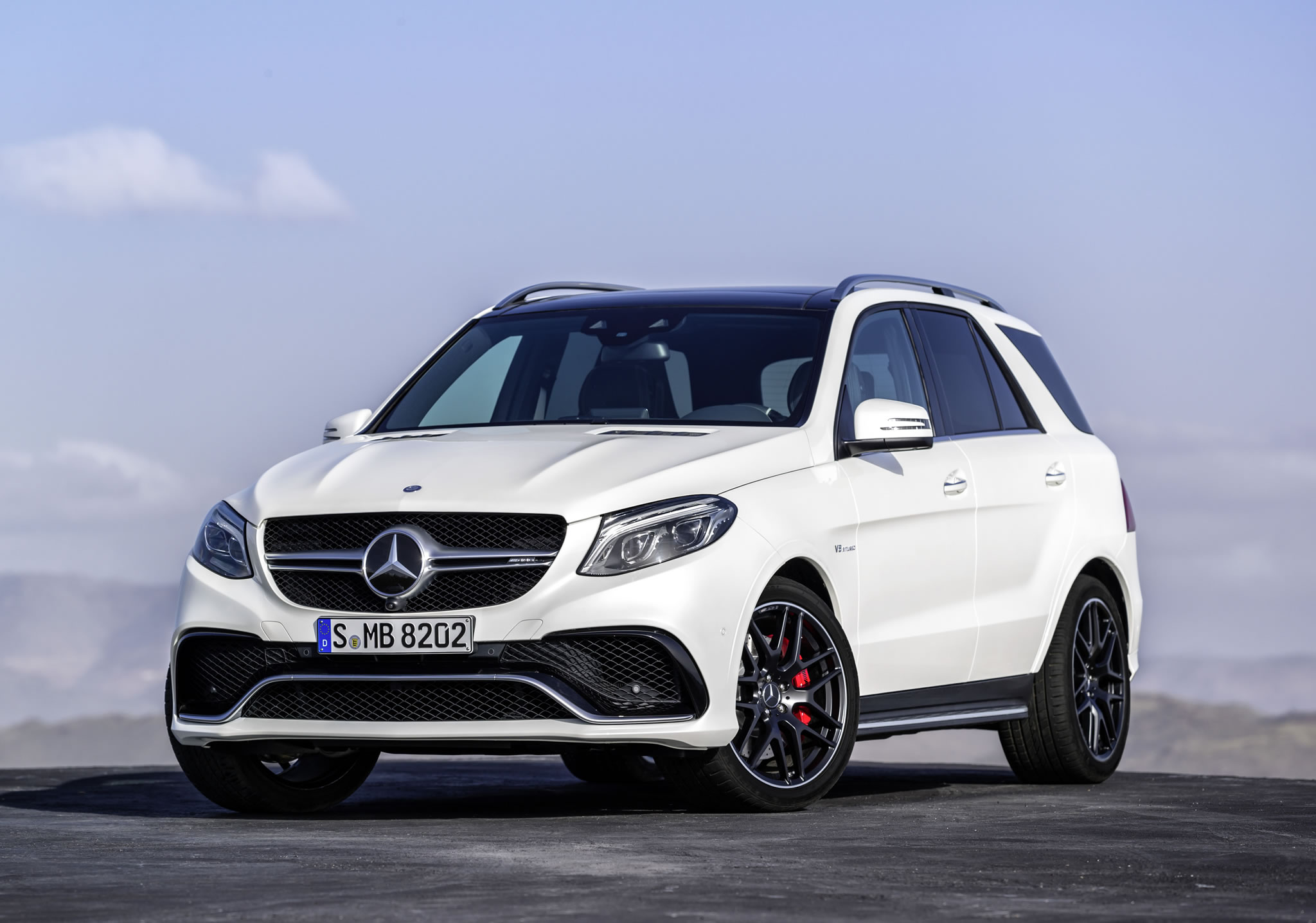 2016 mercedes benz amg gle63 s front photo polar white for Mercedes benz creator
