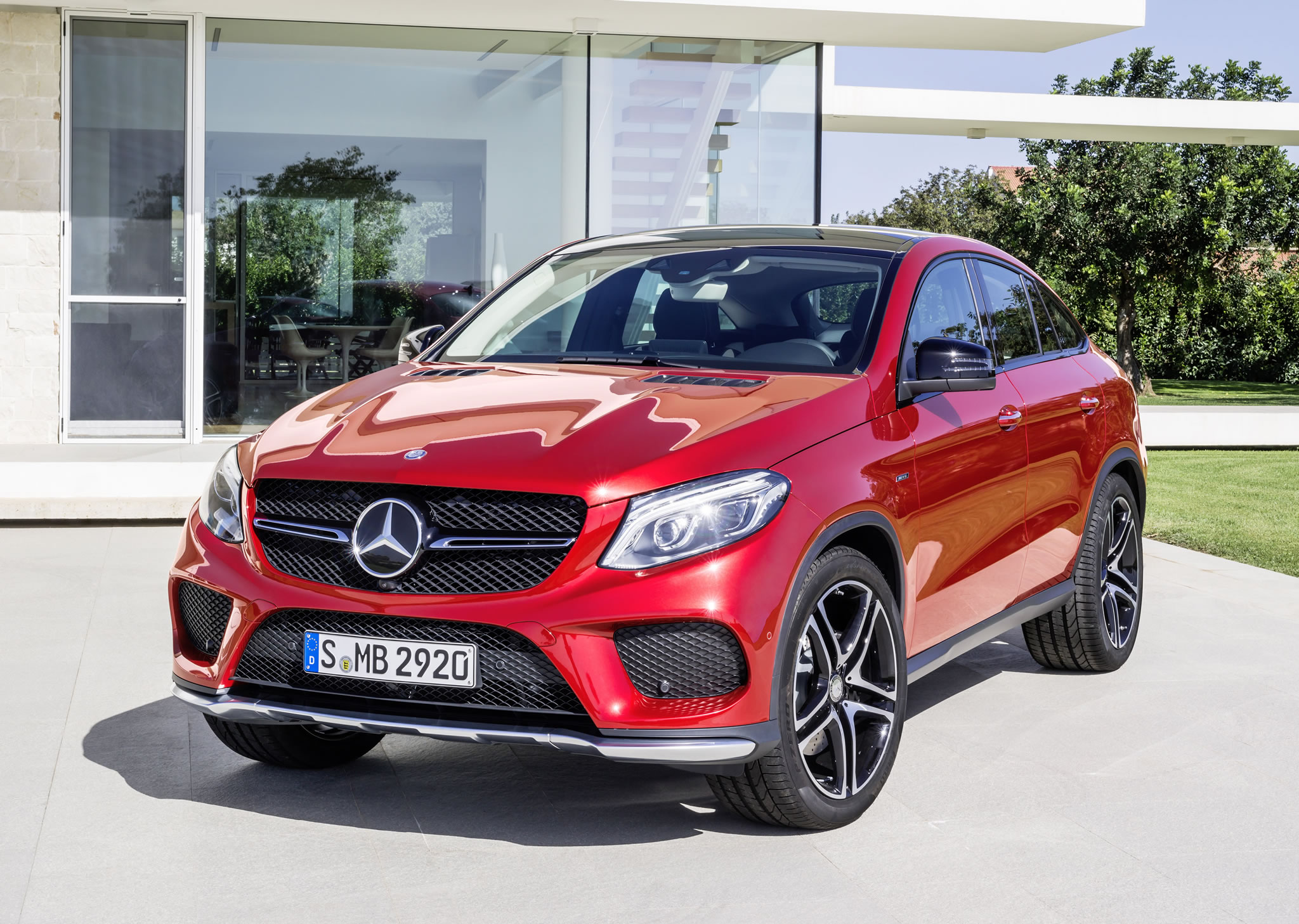2016 mercedes benz gle 450 amg coupe front photo designo hyacinth red metallic color size. Black Bedroom Furniture Sets. Home Design Ideas