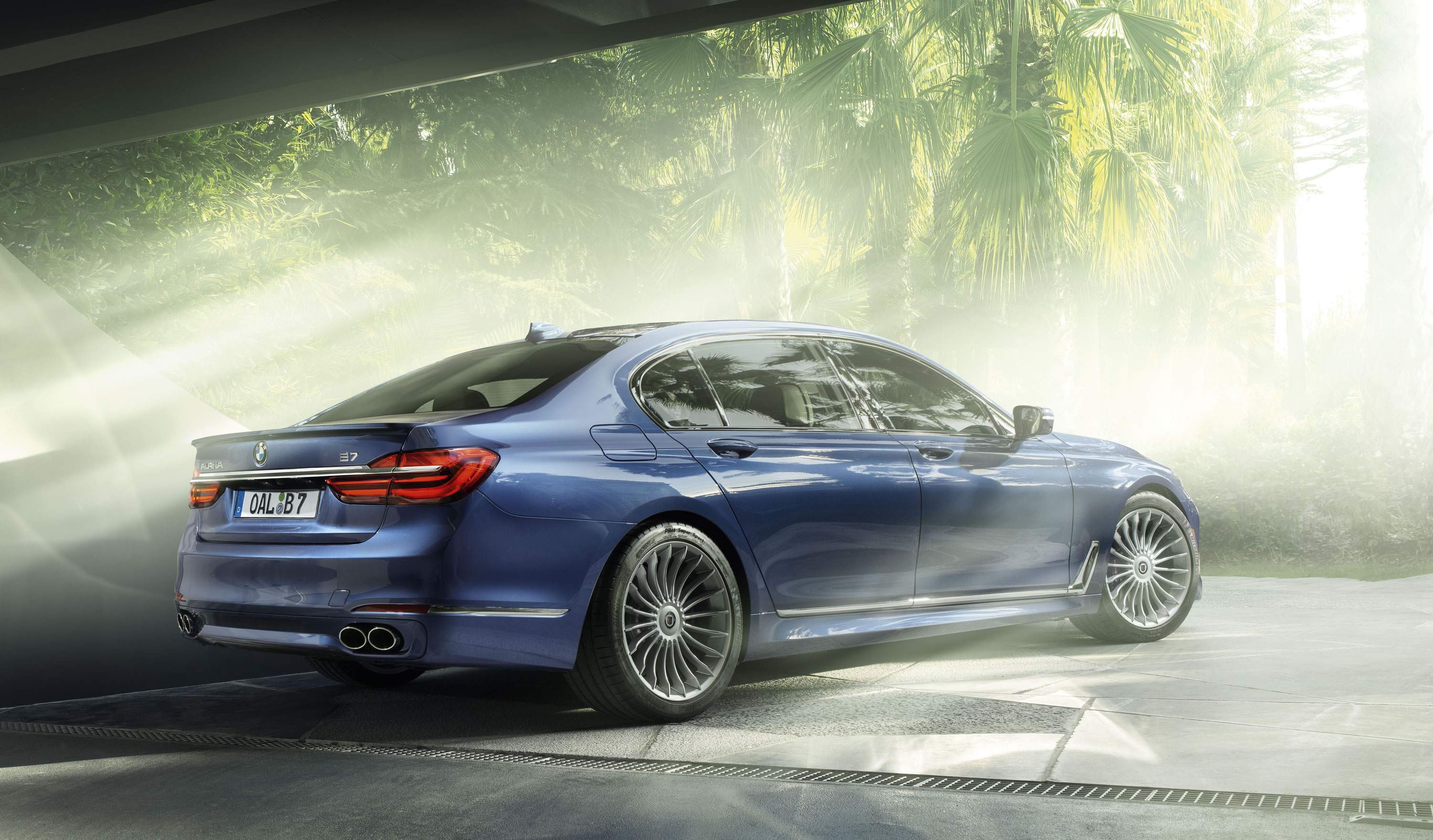 Alpina B XDrive Photos Specs And Review RS - Bmw m7 alpina