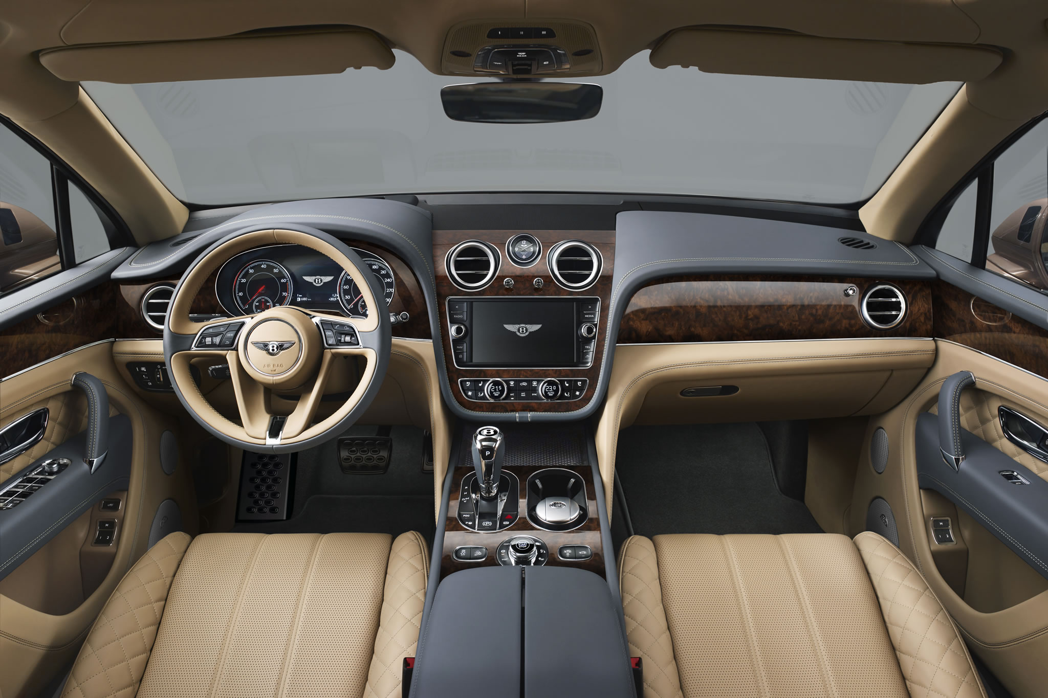 2017 Bentley Bentayga - interior photo, size 2048 x 1365 ...