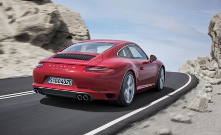 For the first time, rear-axle steering is available as an option for the Carrera 