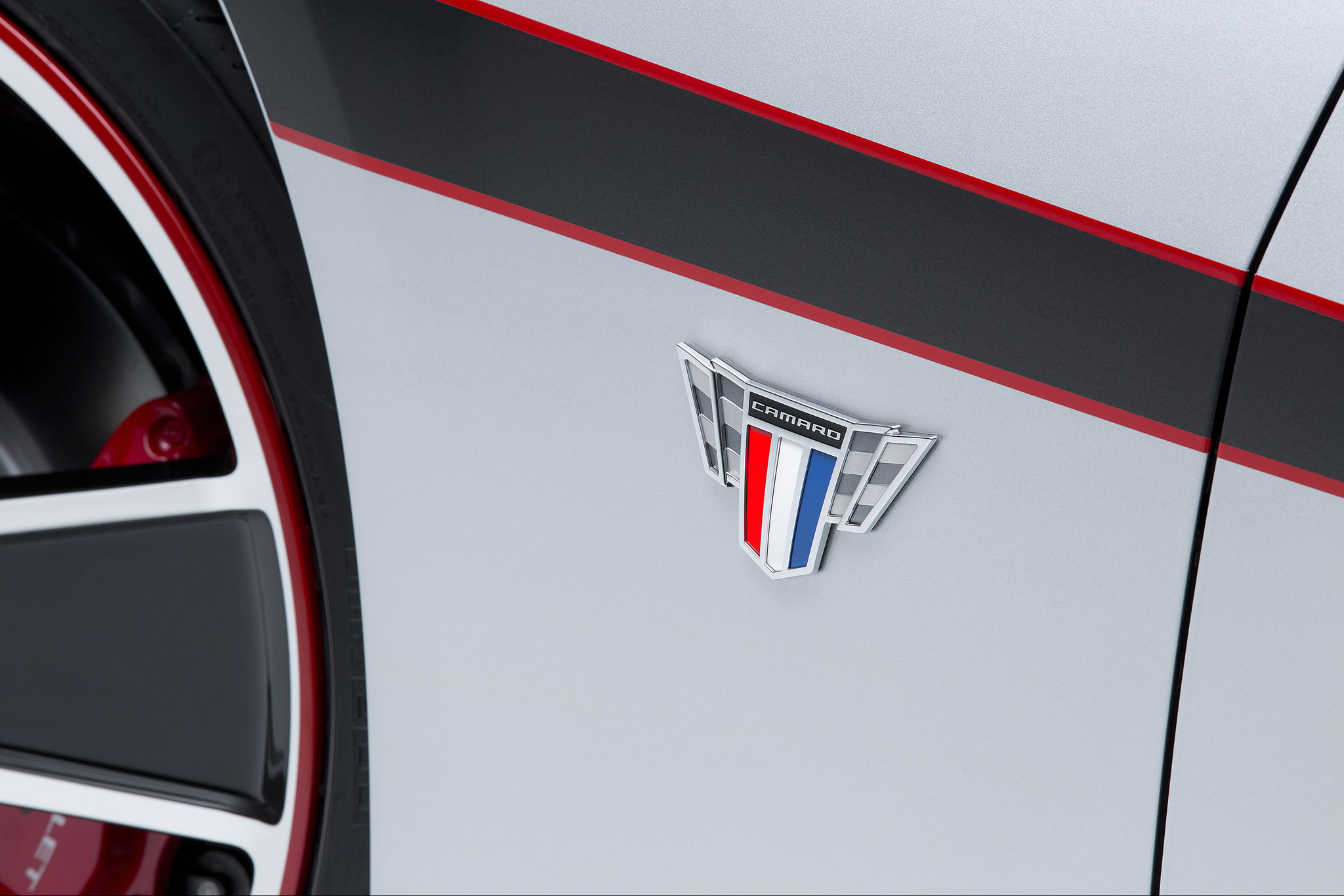 2015 Chevrolet Camaro Commemorative Edition Detail Photo