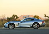 Dodge Now Offers Vipers with More Standard Equippment