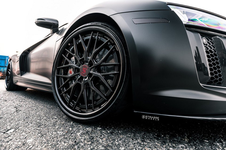 All-Black Audi R8 V10 Plus Looks Like A Four-Wheel Stealth Bomber