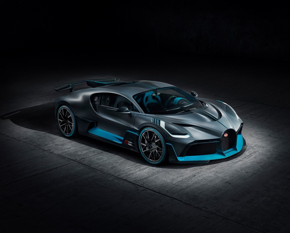 Bugatti Divo Debuts With 1500 HP, Production Limited To 40 Units